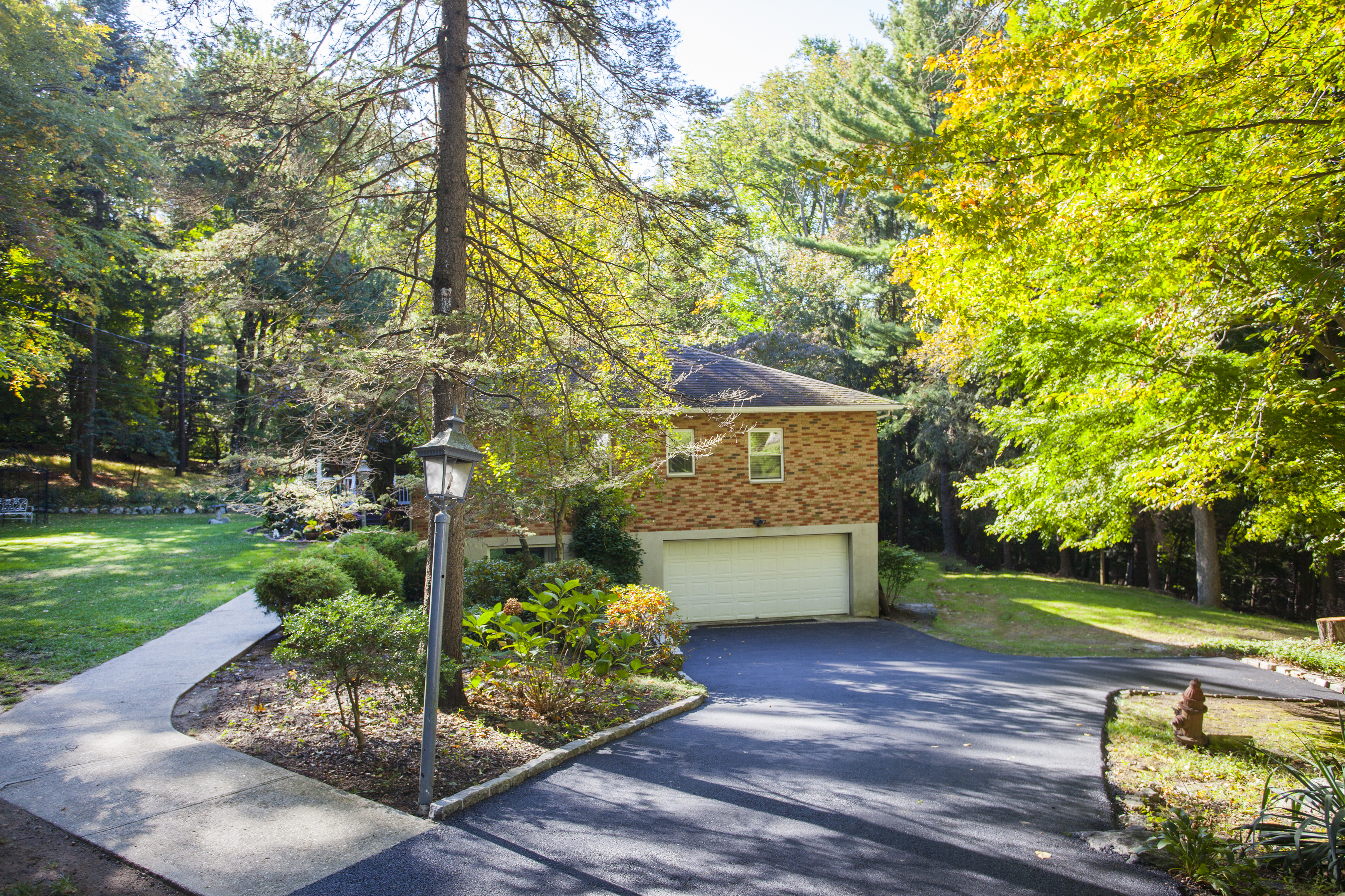 Single Family Home for Sale at New Fairfield's West Side 21 Hudson Drive New Fairfield, Connecticut, 06812 United States