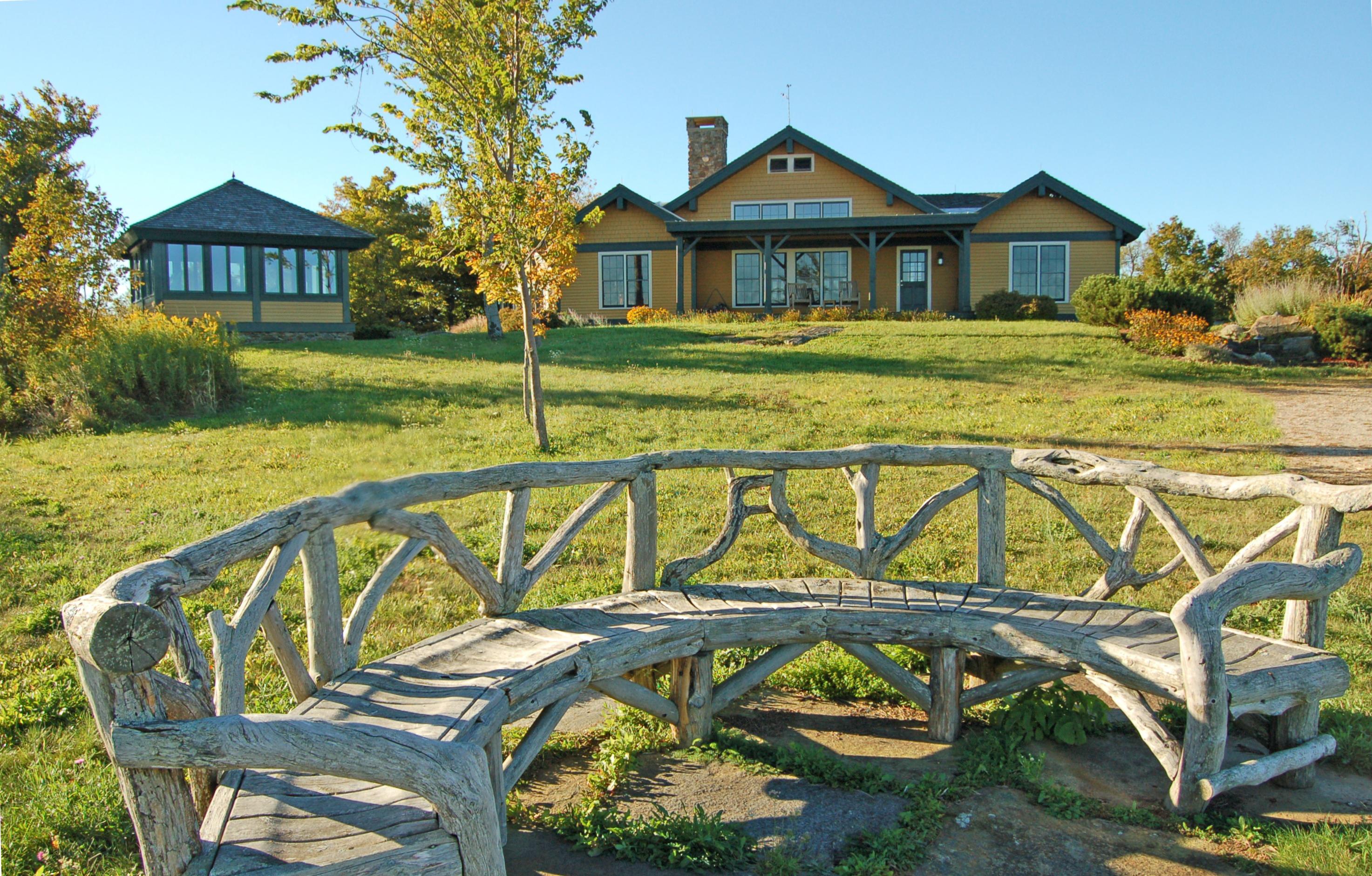 独户住宅 为 销售 在 Stunning Post & Beam with 50 mile, 360 degree views to Mt. Greylock 381 Leonhardt Rd Becket, 马萨诸塞州 01223 美国