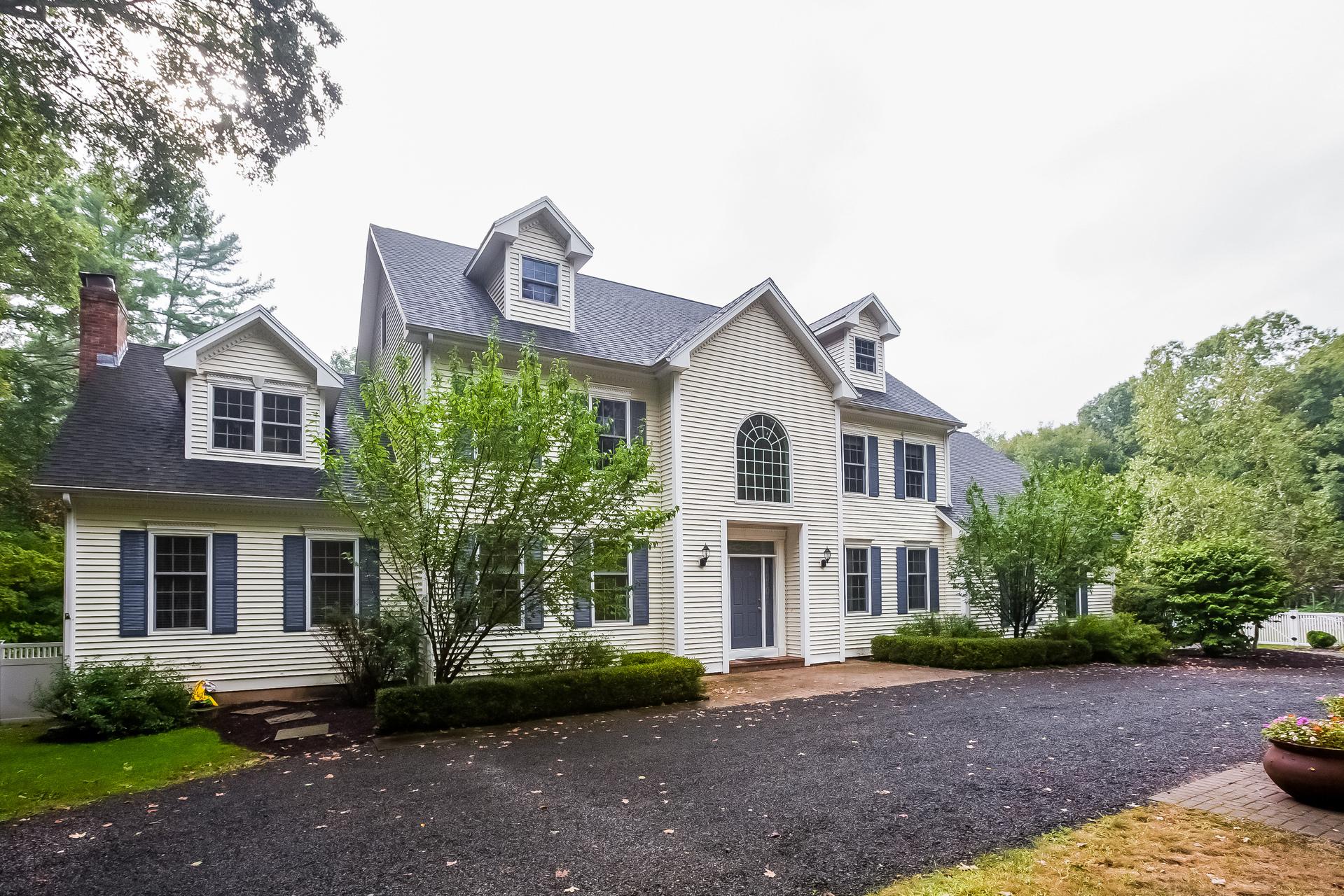 Einfamilienhaus für Verkauf beim 341 Summer Hill Rd Madison, Connecticut 06443 Vereinigte Staaten