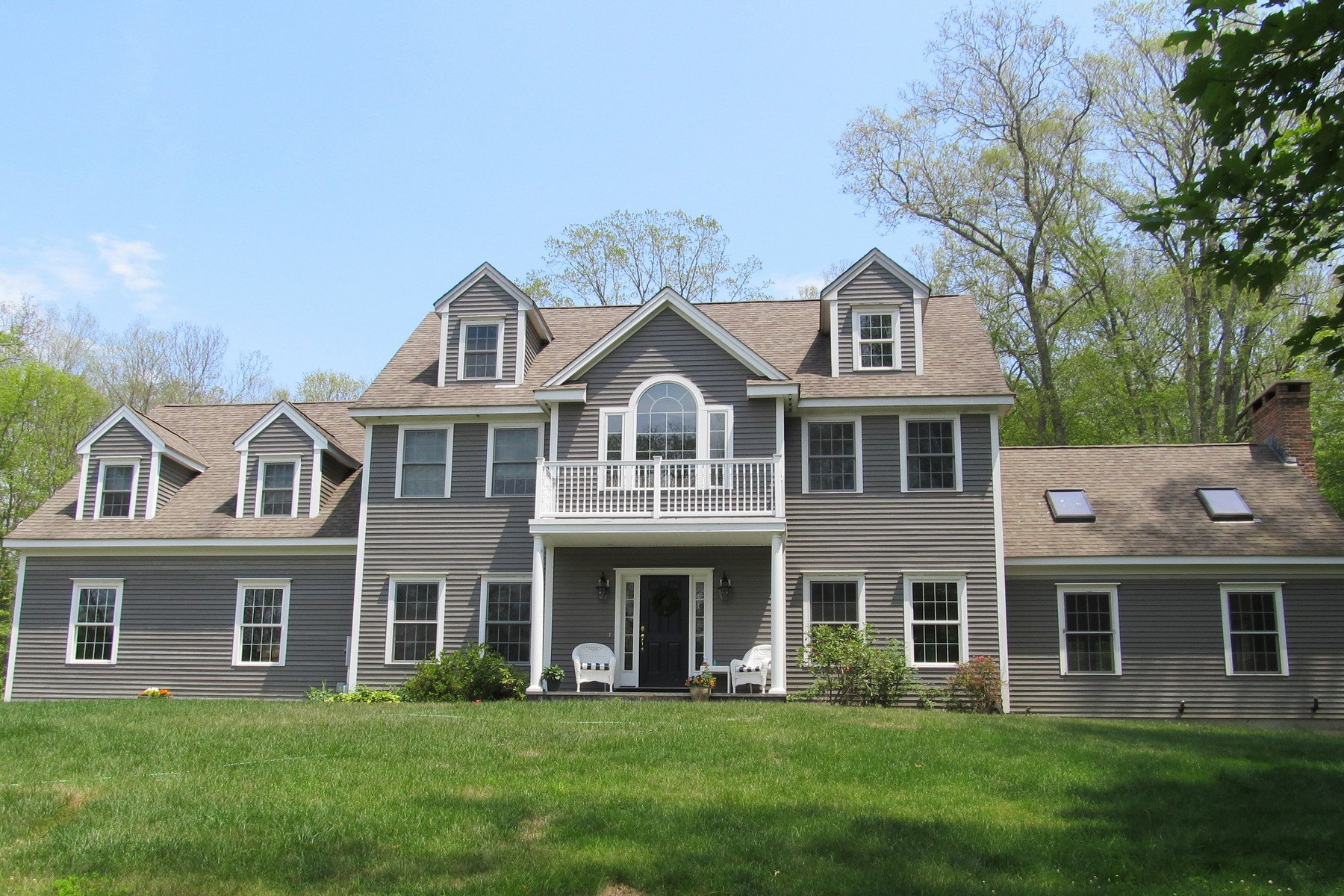 Single Family Home for Sale at Spacious Colonial Home 381 Hamburg Road Lyme, Connecticut, 06371 United States