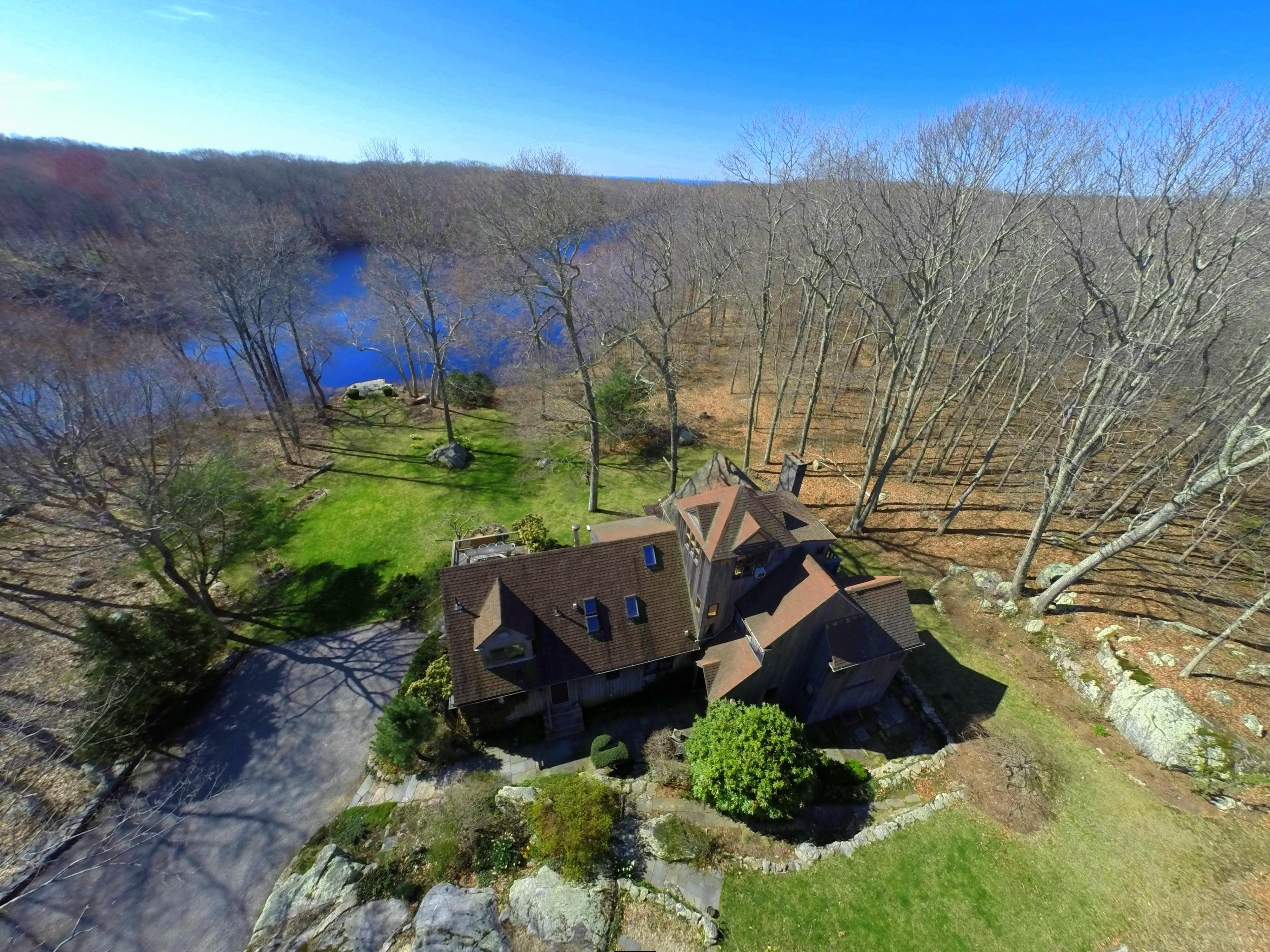 Einfamilienhaus für Verkauf beim Custom Built Lakefront Home 574 North Main Street Stonington, Connecticut 06378 Vereinigte Staaten