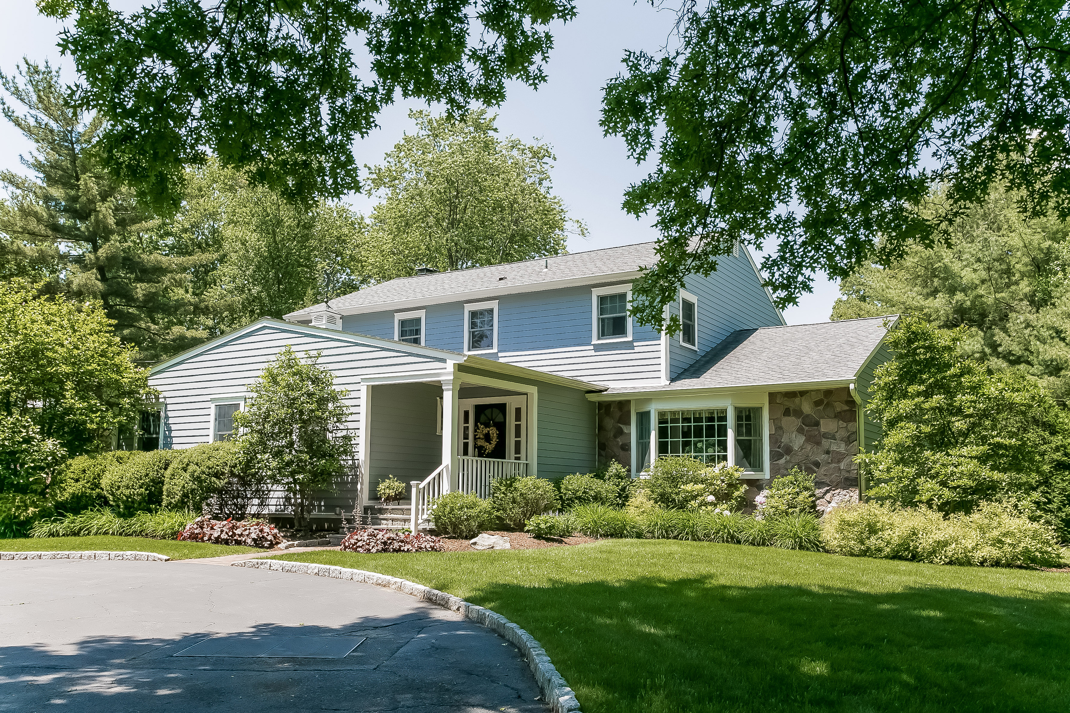 Single Family Home for Sale at 11 Canterbury Rd. S Harrison, New York, 10528 United States