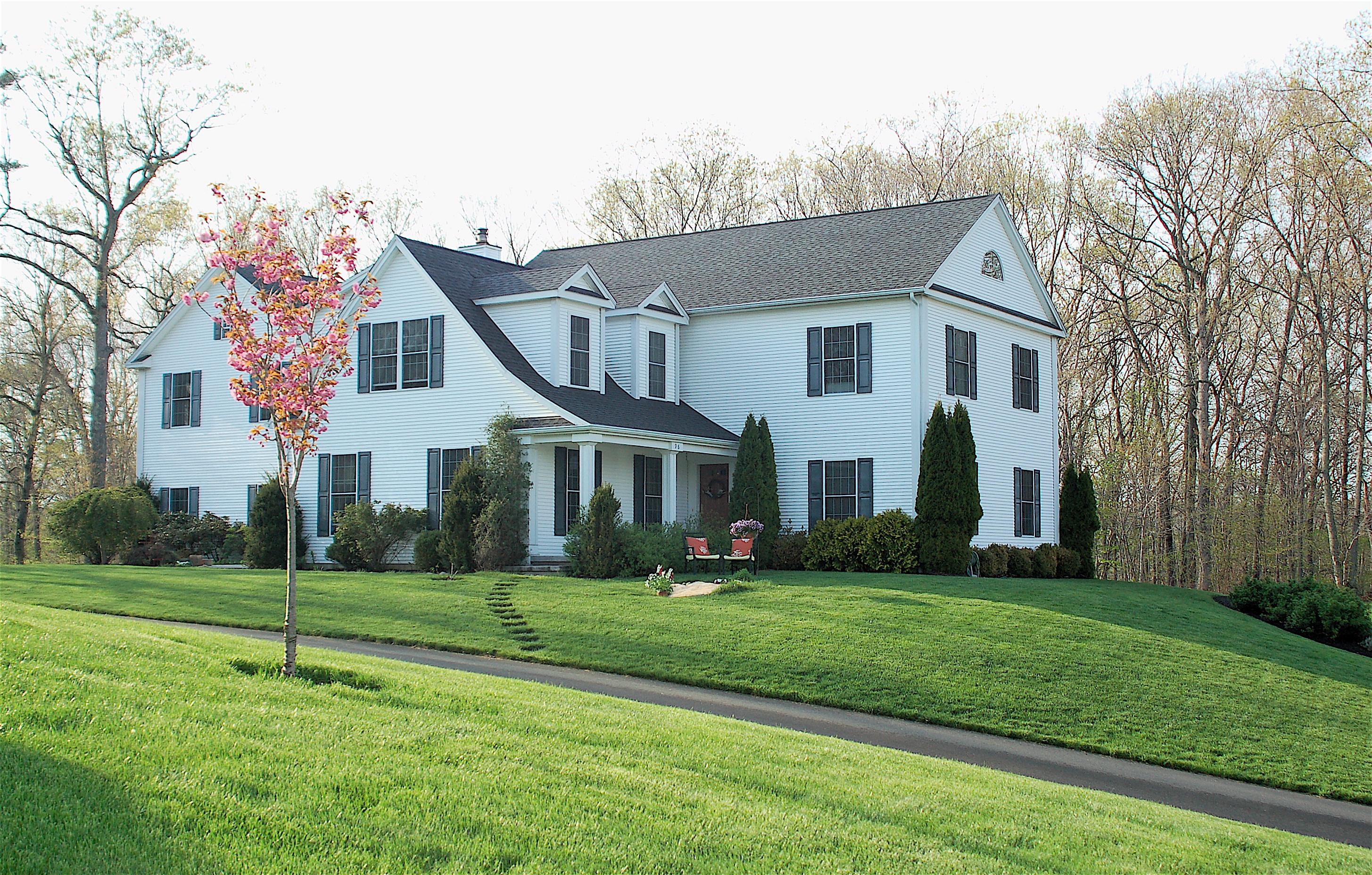Einfamilienhaus für Verkauf beim 96 Windsor Ct Madison, Connecticut, 06443 Vereinigte Staaten