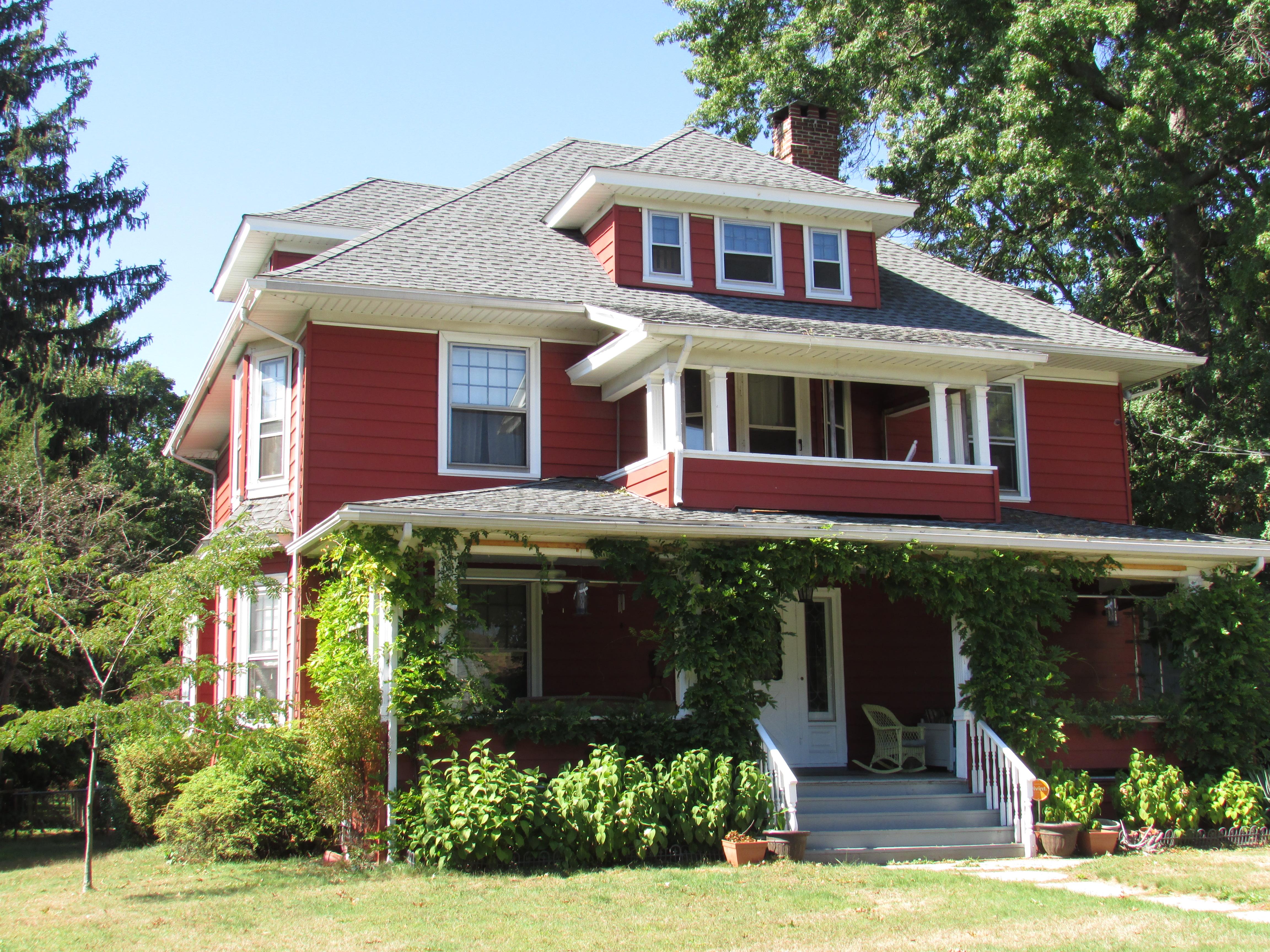 Nhà ở một gia đình vì Bán tại Turn of the century Colonial 2287 Elm Street Stratford, Connecticut, 06615 Hoa Kỳ