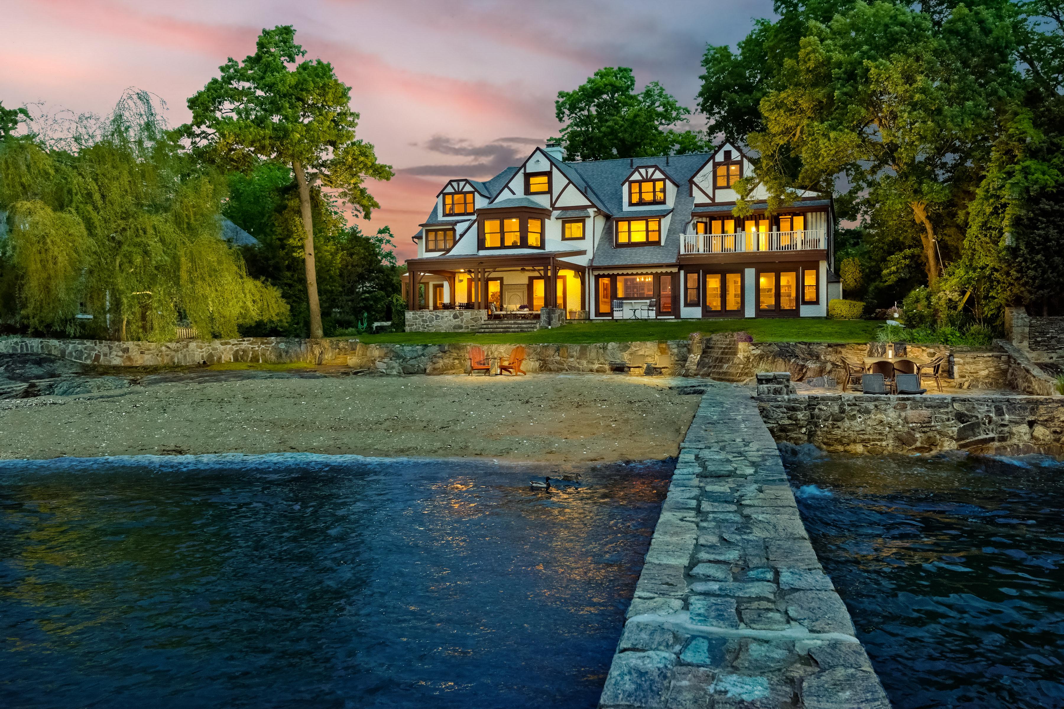 Casa Unifamiliar por un Venta en 3 Shore Road Rye, Nueva York, 10580 Estados Unidos