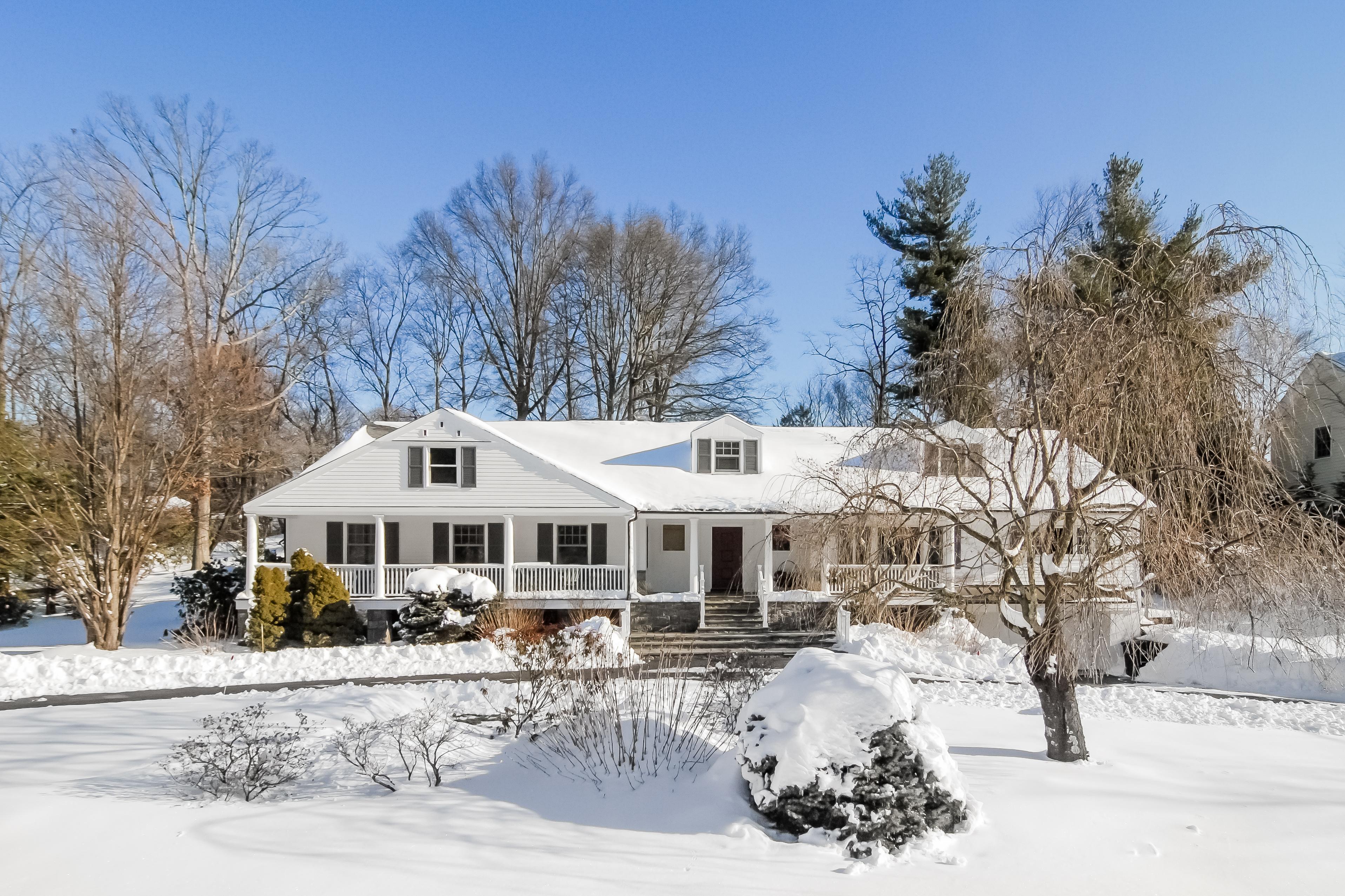Einfamilienhaus für Verkauf beim 31 Delevan Lane Harrison, New York 10528 Vereinigte Staaten