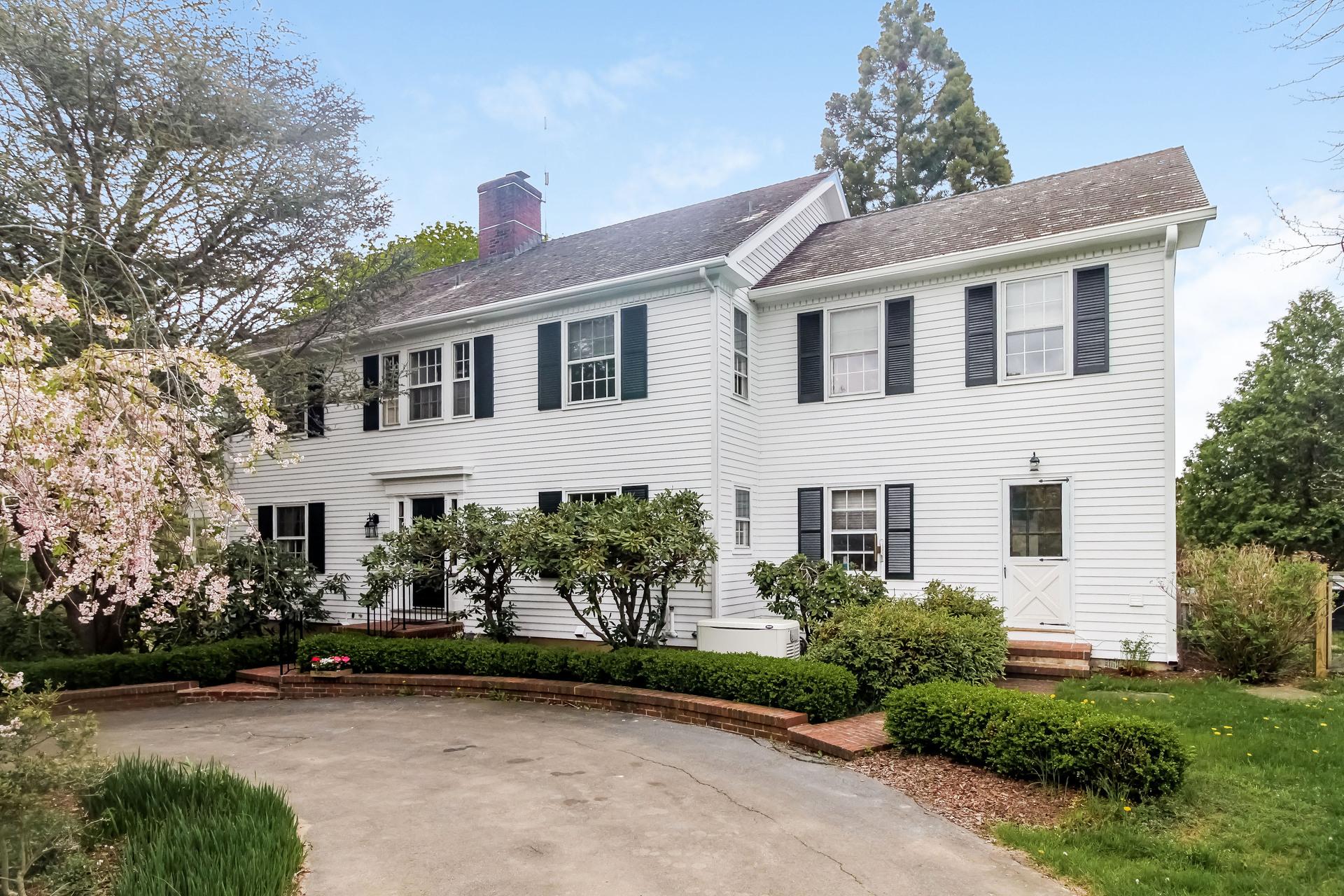 Einfamilienhaus für Verkauf beim 435 Colonial Rd Guilford, Connecticut 06437 Vereinigte Staaten