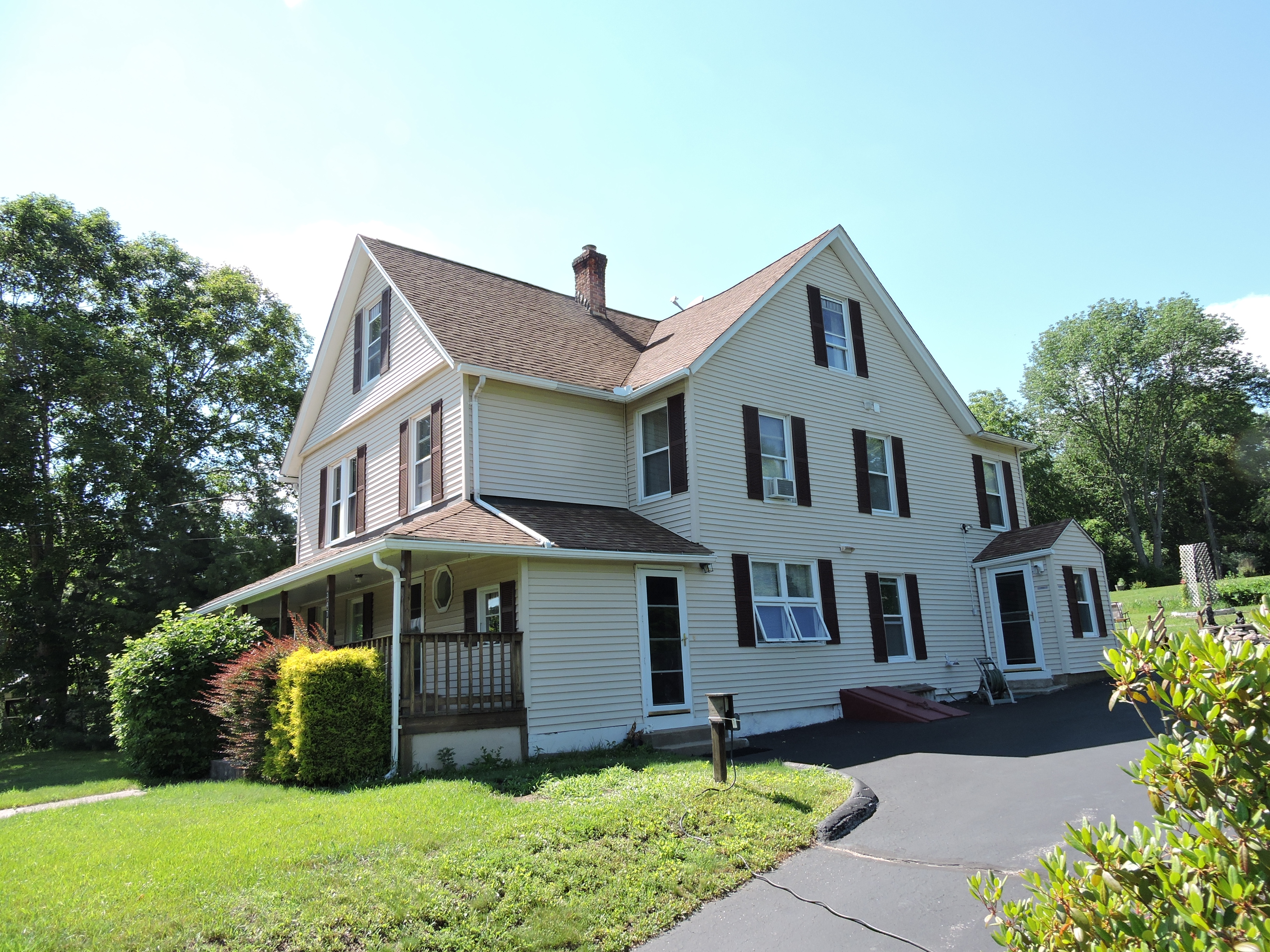 Single Family Home for Sale at Charming Bed and Breakfast 347 Salem Tunpike Bozrah, Connecticut, 06334 United States