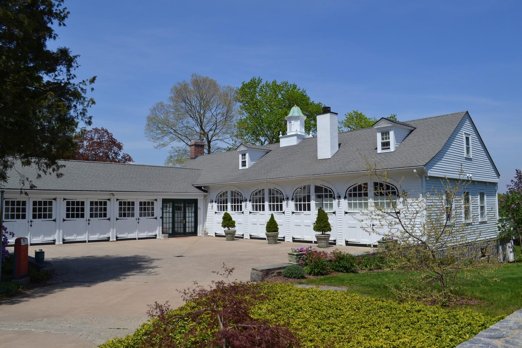 独户住宅 为 销售 在 Iconic Essex Village Landmark 33 North Main Street Essex, 康涅狄格州 06426 美国