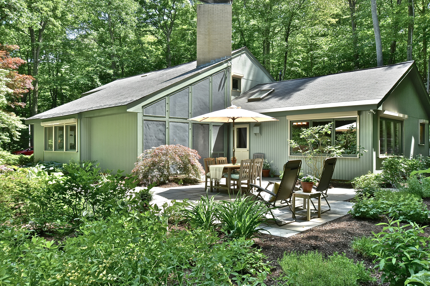 Single Family Home for Sale at Sun-Filled Contemporary 70 Book Hill Rd Deep River, Connecticut 06417 United States