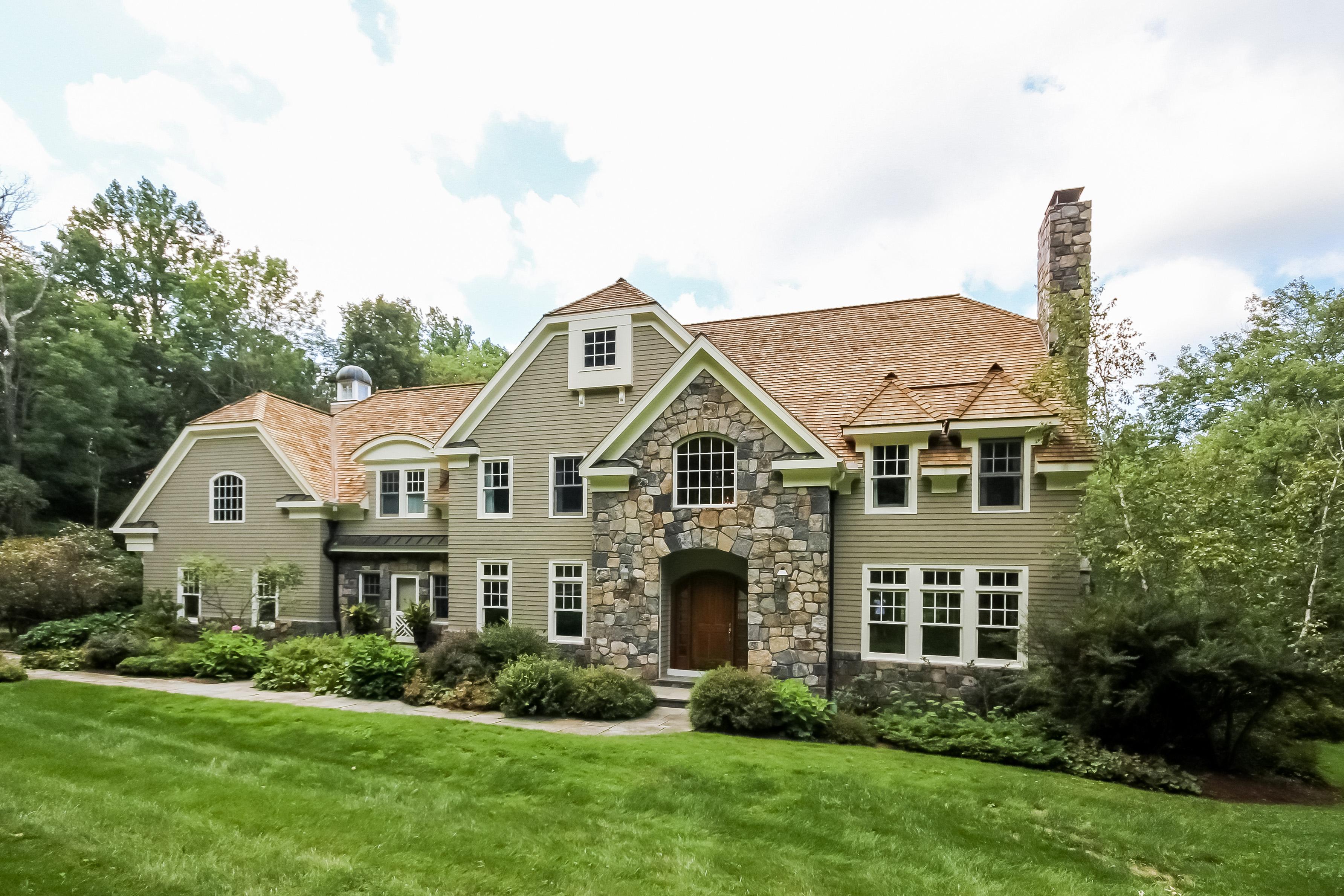 Casa Unifamiliar por un Venta en Sophisticated Shingle Style Home 15 Cedar Lane Ridgefield, Connecticut, 06877 Estados Unidos