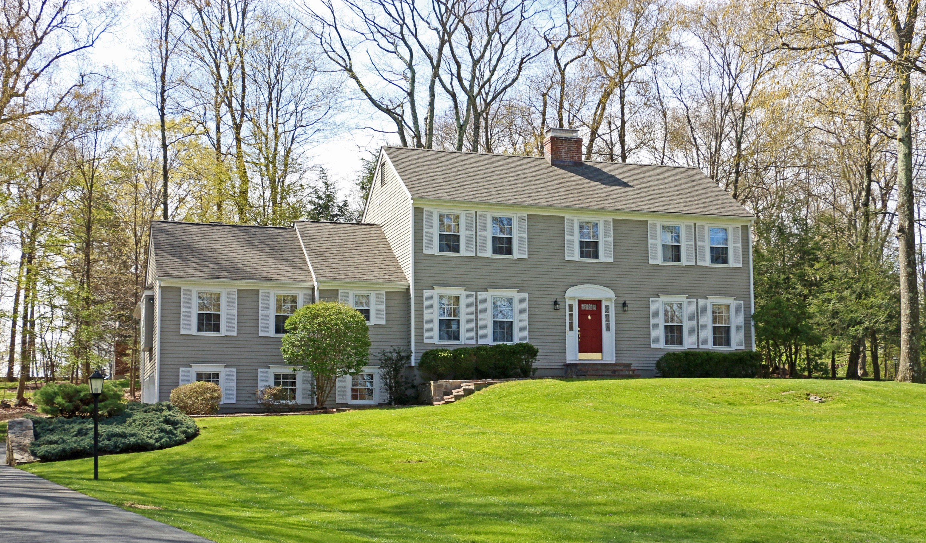 Vivienda unifamiliar por un Venta en Gracious & Welcoming 52 Bobbys Court Ridgefield, Connecticut, 06877 Estados Unidos