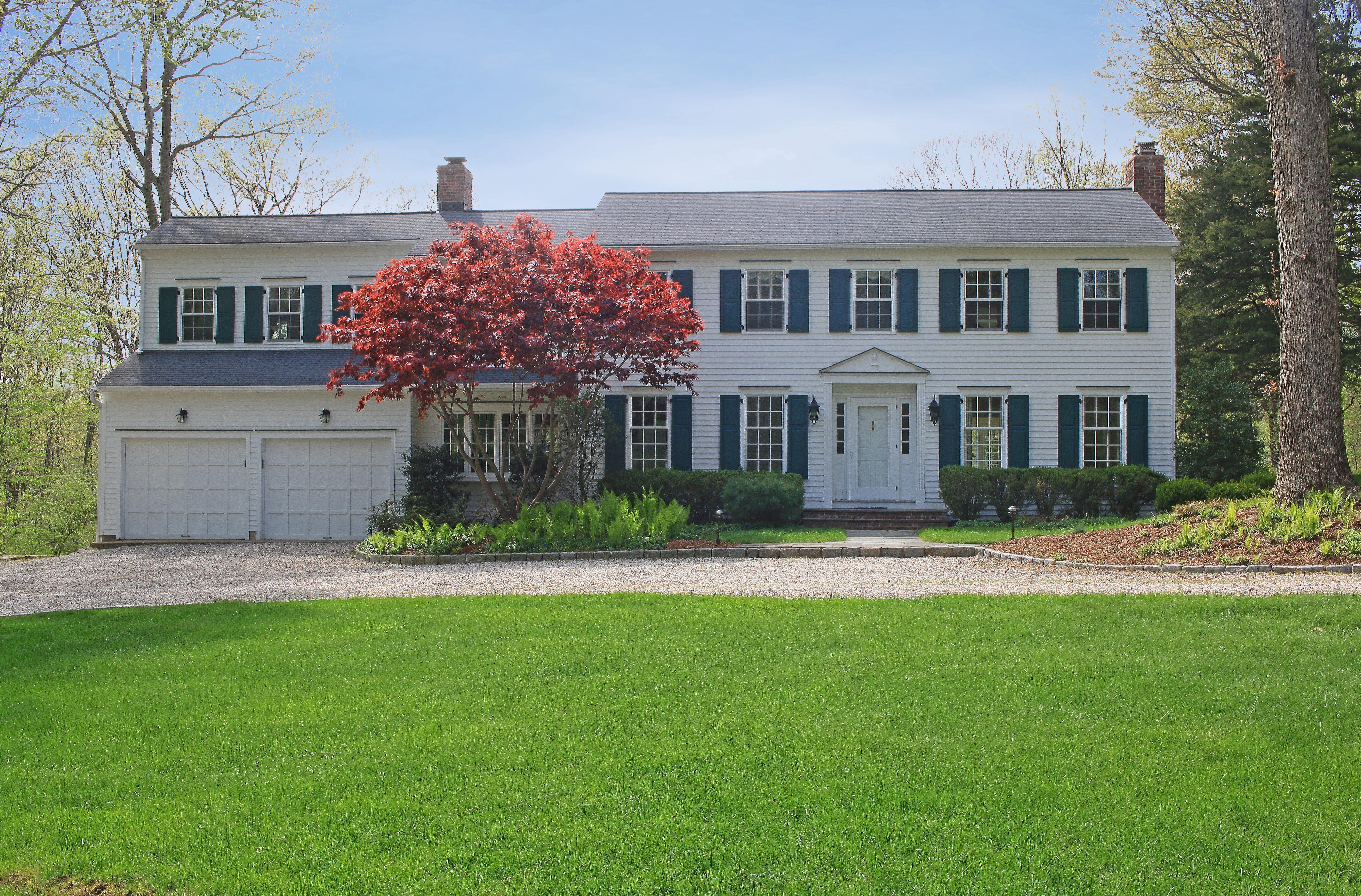 Maison unifamiliale pour l Vente à Pristine and Spacious 35 Pin Oak Lane Wilton, Connecticut, 06897 États-Unis