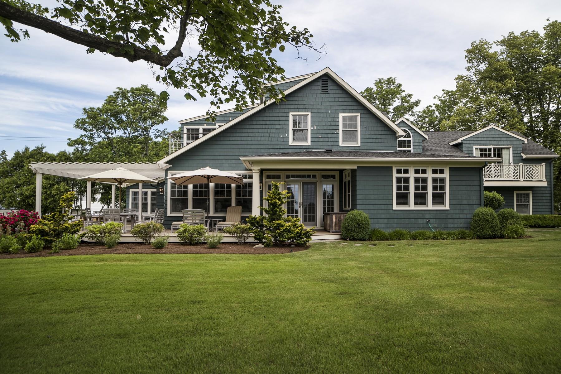 Maison unifamiliale pour l Vente à Hart Point in Indian Town Beach District 8 Red Bird Trl Old Saybrook, Connecticut, 06475 États-Unis