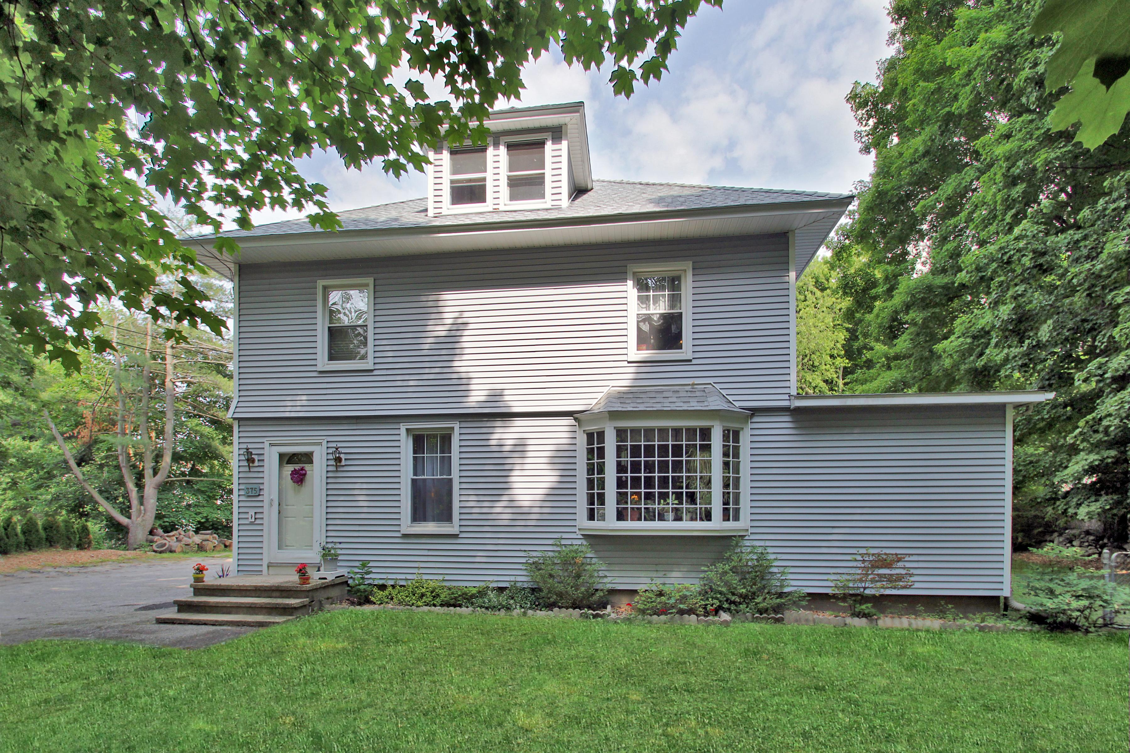 Частный односемейный дом для того Продажа на Charming Cranbury Farmhouse 375 Newtown Avenue Norwalk, Коннектикут 06851 Соединенные Штаты