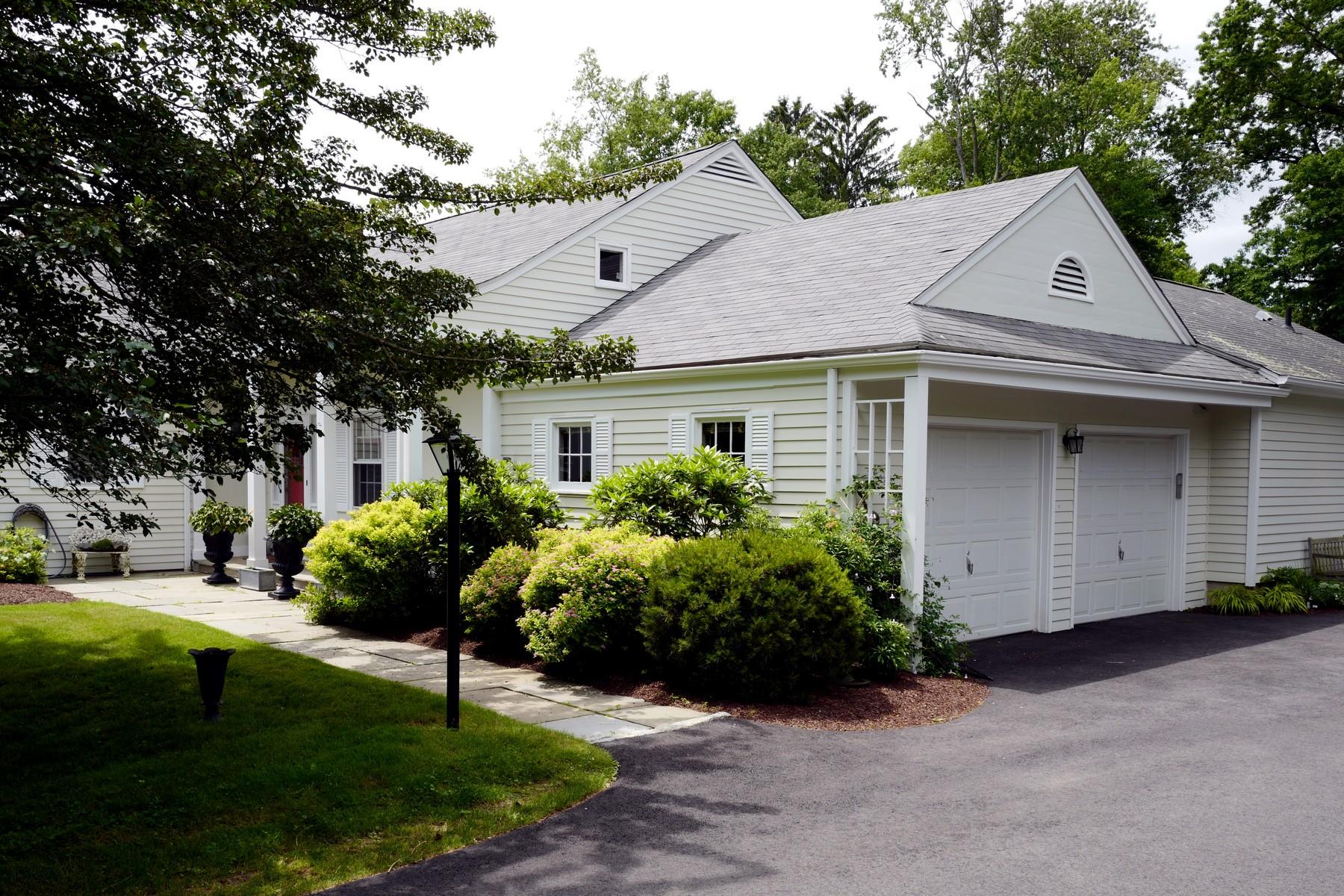 Casa Unifamiliar por un Venta en VERNA FIELD 65 Verna Field Drive Fairfield, Connecticut, 06824 Estados Unidos