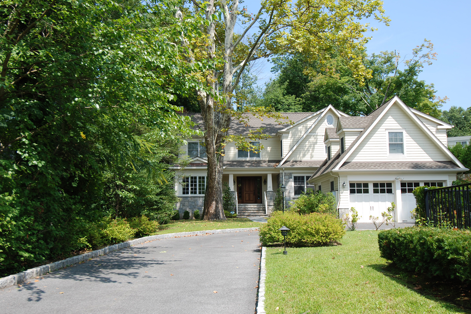 Single Family Home for Rent at Exquisite Center Hall Colonial 21 Windmill Lane Scarsdale, 10583 United States