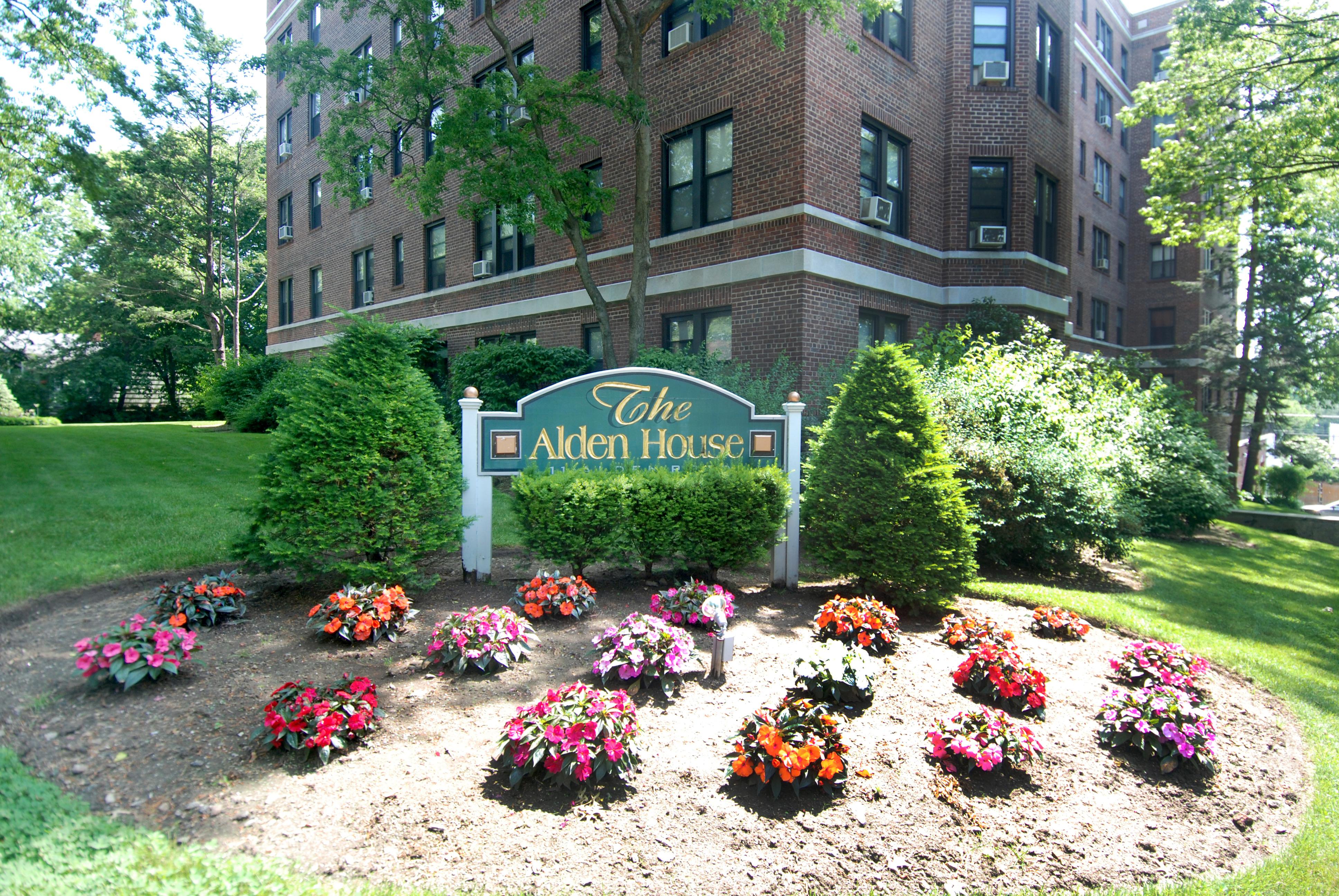 rentals property at 11 Alden Road