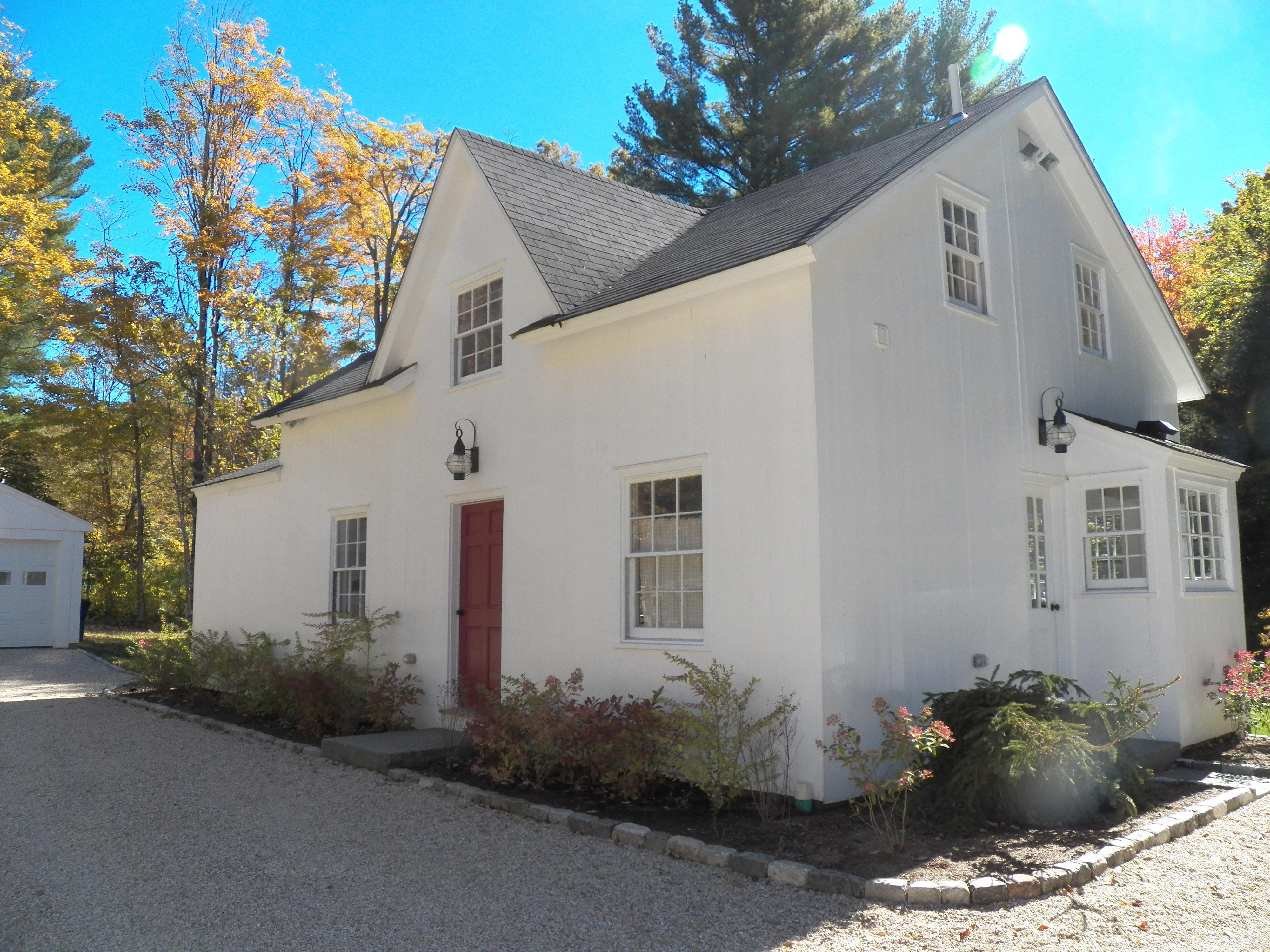 Casa Unifamiliar por un Venta en Cottage Off The Green 61 Wykeham Rd Washington, Connecticut, 06793 Estados Unidos
