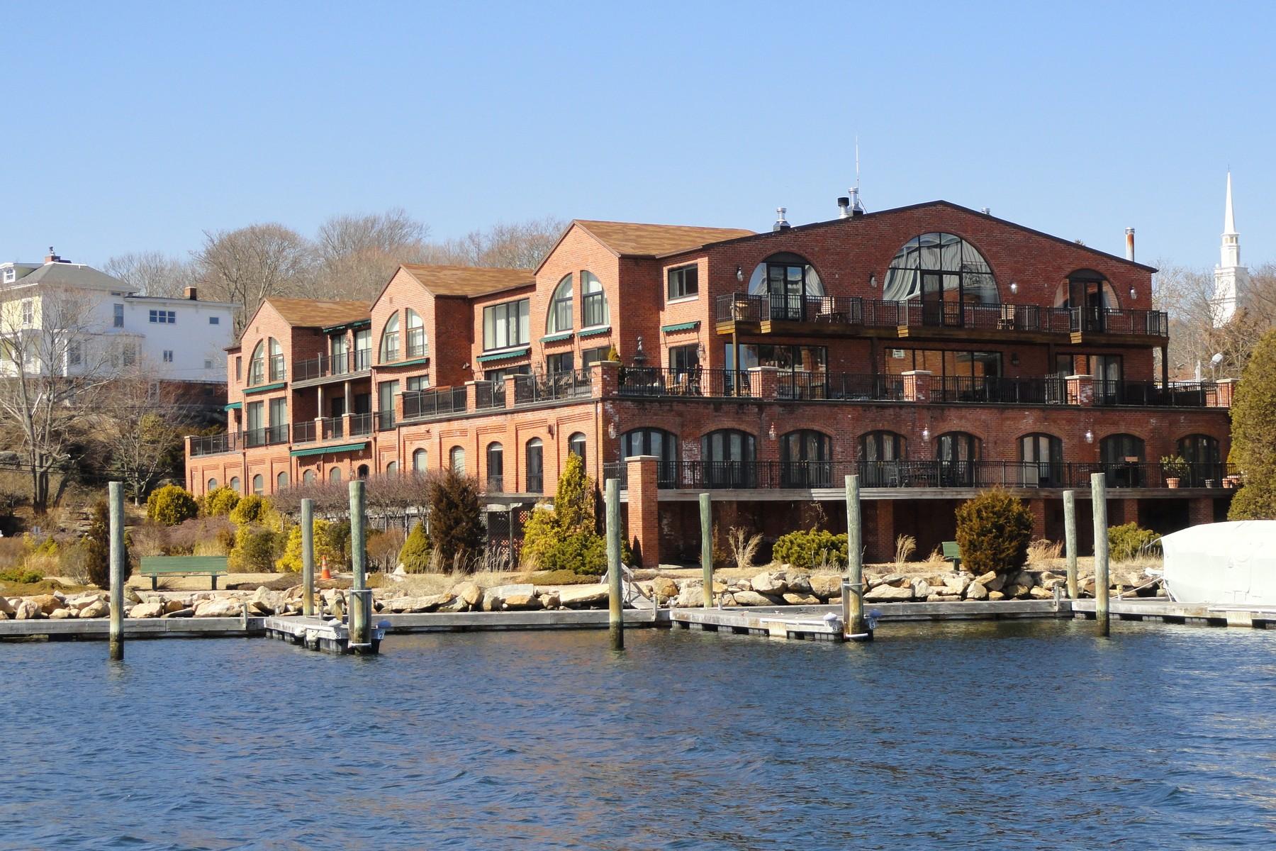 Eigentumswohnung für Verkauf beim One Level Waterfront Luxury Living 17 Water Street A11 Groton, Connecticut 06355 Vereinigte Staaten