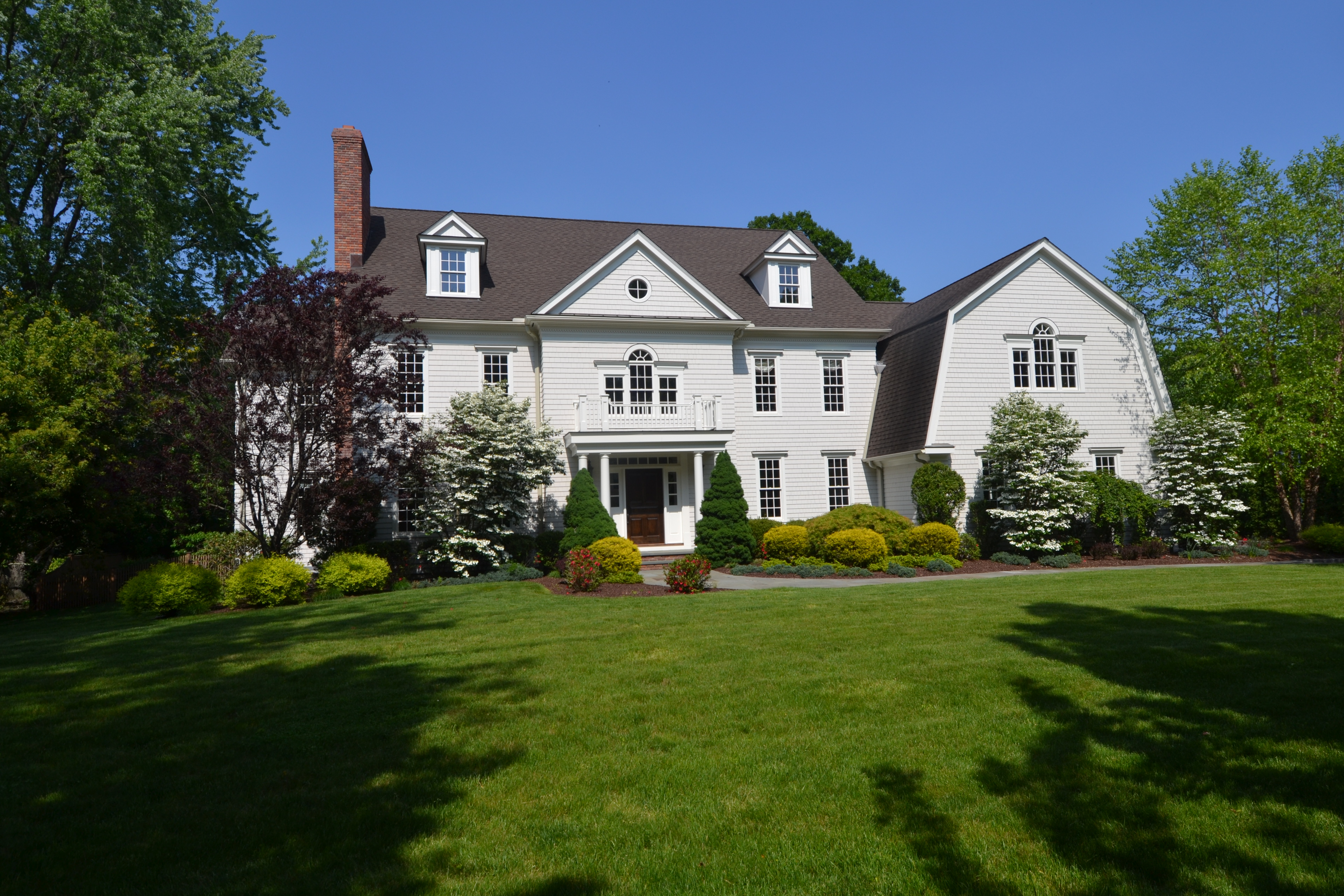 Частный односемейный дом для того Продажа на A Private Oasis 148 North Avenue Westport, Коннектикут, 06880 Соединенные Штаты