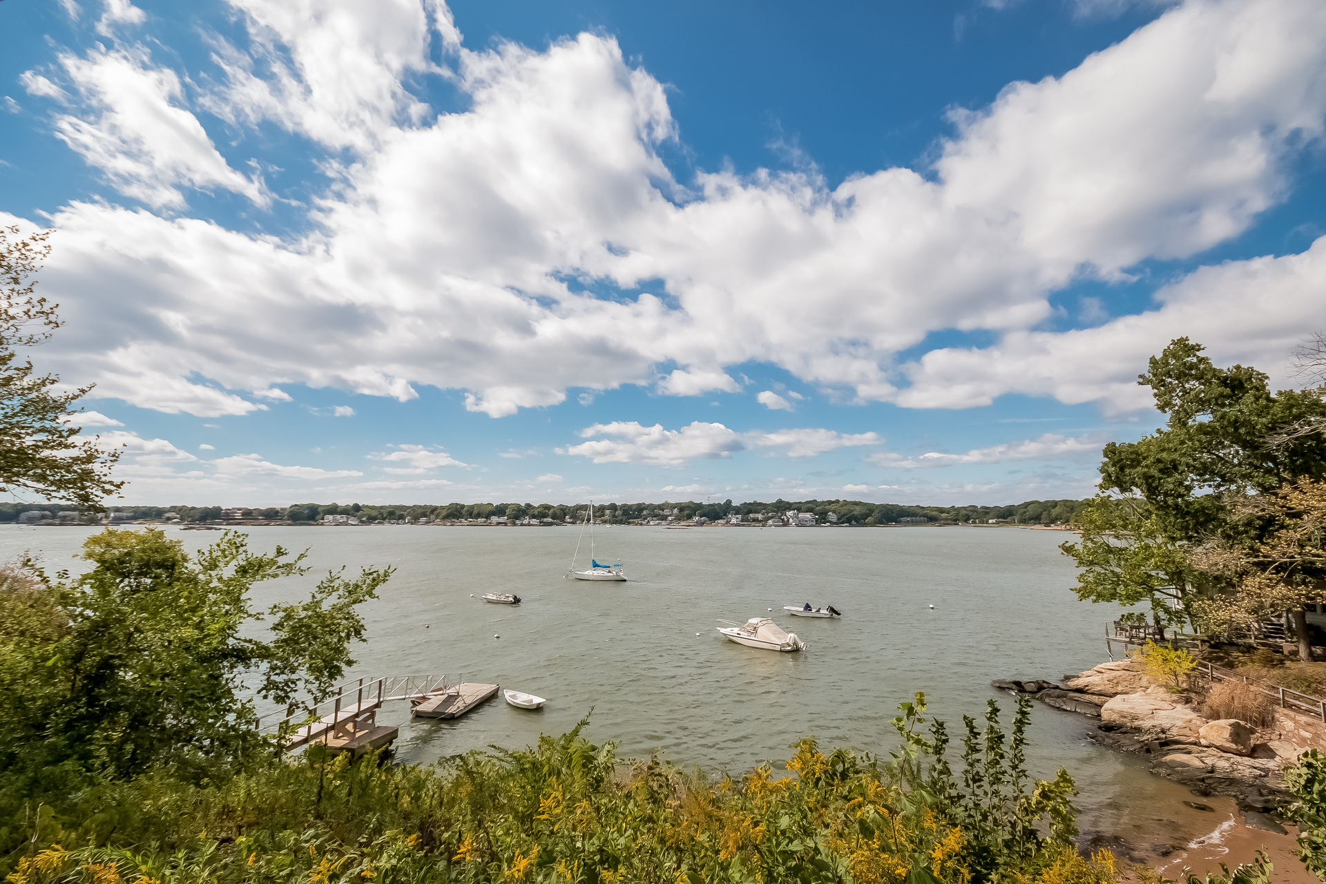 Vivienda unifamiliar por un Venta en Waterfront Property 48 Wakefield Road Branford, Connecticut 06405 Estados Unidos