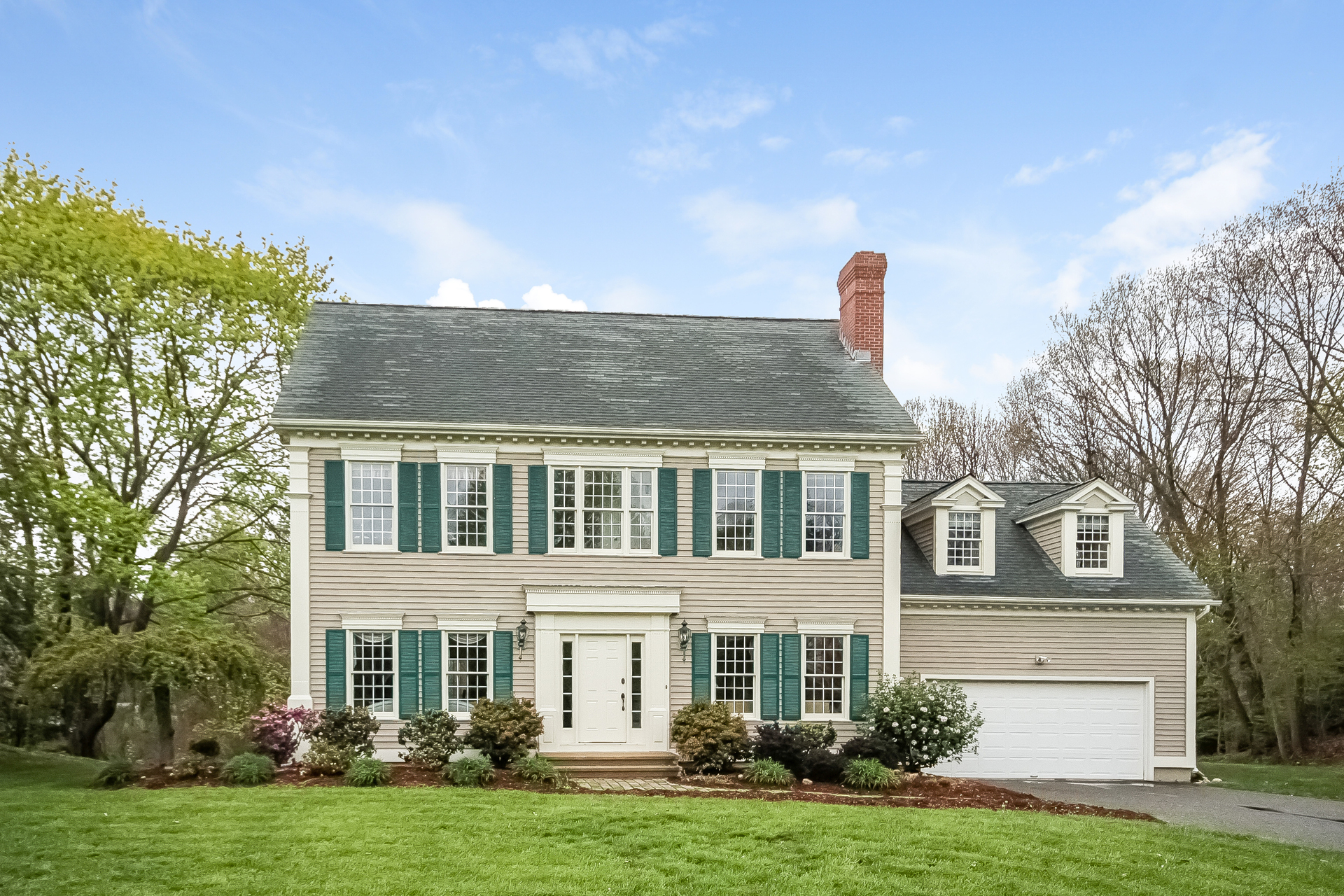 Vivienda unifamiliar por un Venta en 401 Boston Post Rd Madison, Connecticut, 06443 Estados Unidos