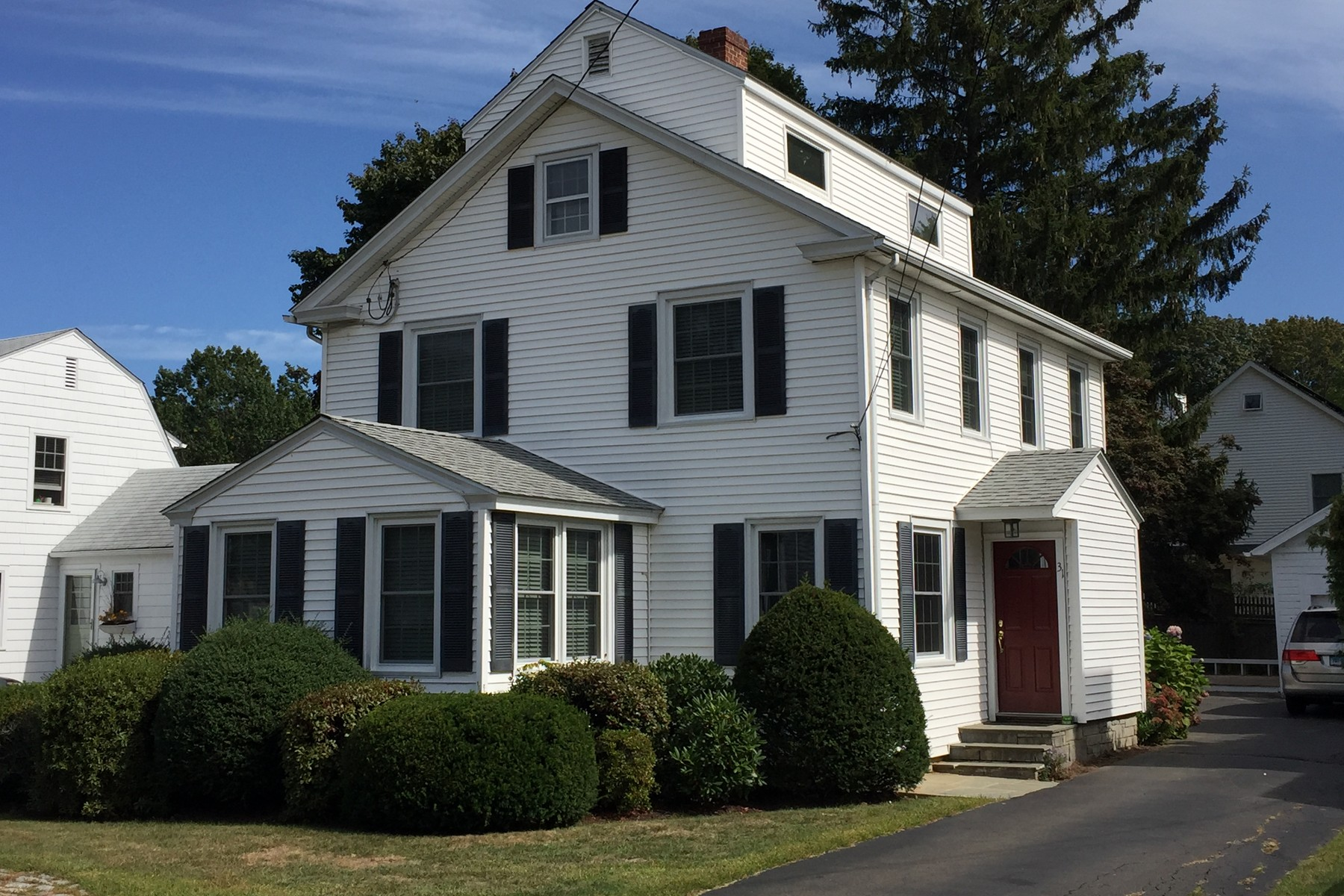 Single Family Home for Sale at 31 Woodlawn Ave Madison, Connecticut 06443 United States