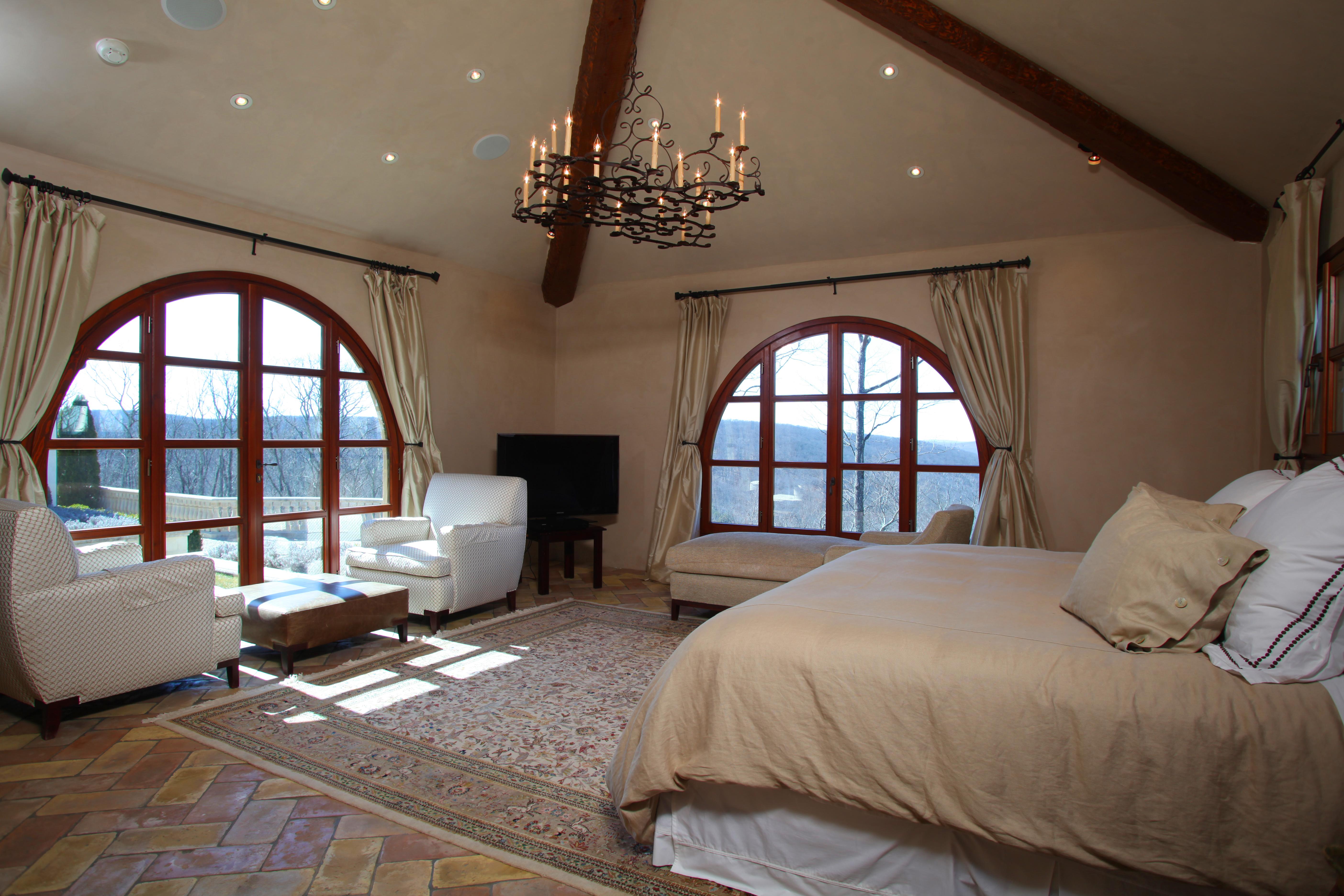 Property Of The Pinnacle - Summer Rental