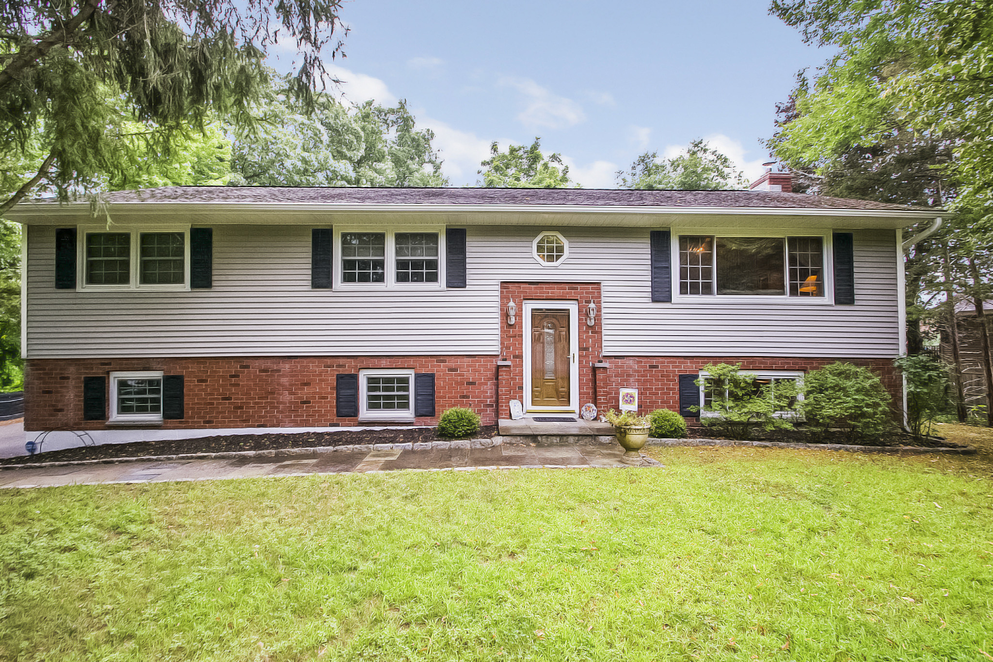 Single Family Home for Sale at Oversized Raised Ranch 25 Regen Road Danbury, Connecticut, 06811 United States