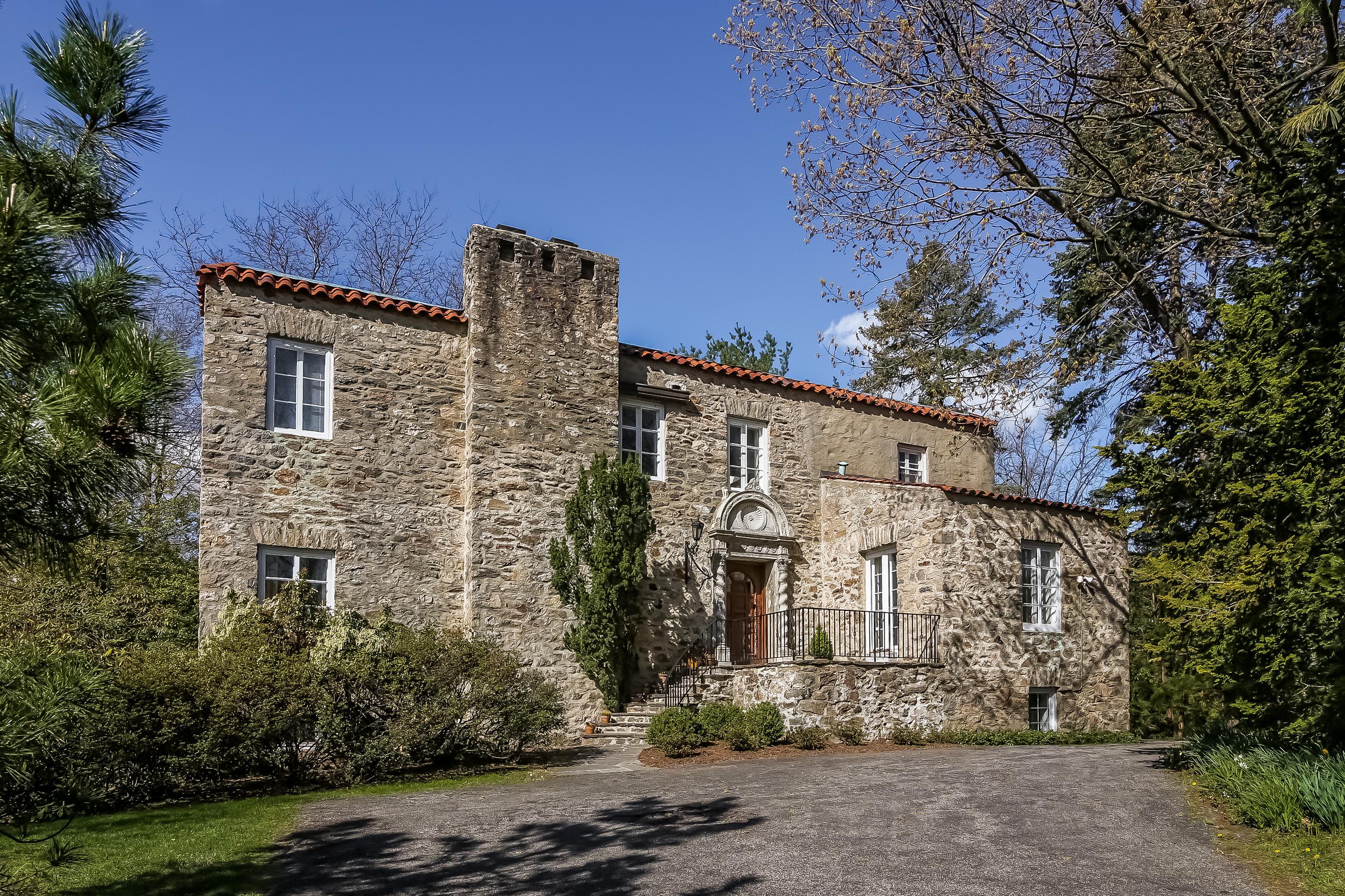 단독 가정 주택 용 매매 에 Unique Romantic Villa 75 Howell Avenue Larchmont, 뉴욕, 10538 미국