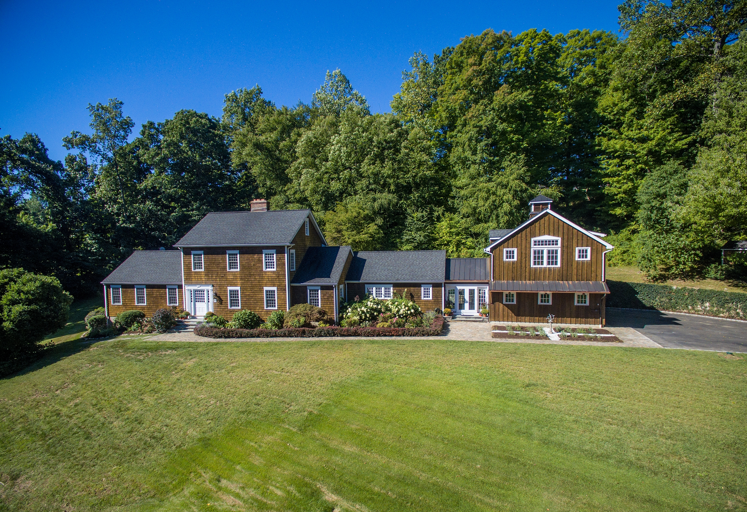 Single Family Home for Sale at 215 Cross Ridge Road New Canaan, Connecticut 06840 United States