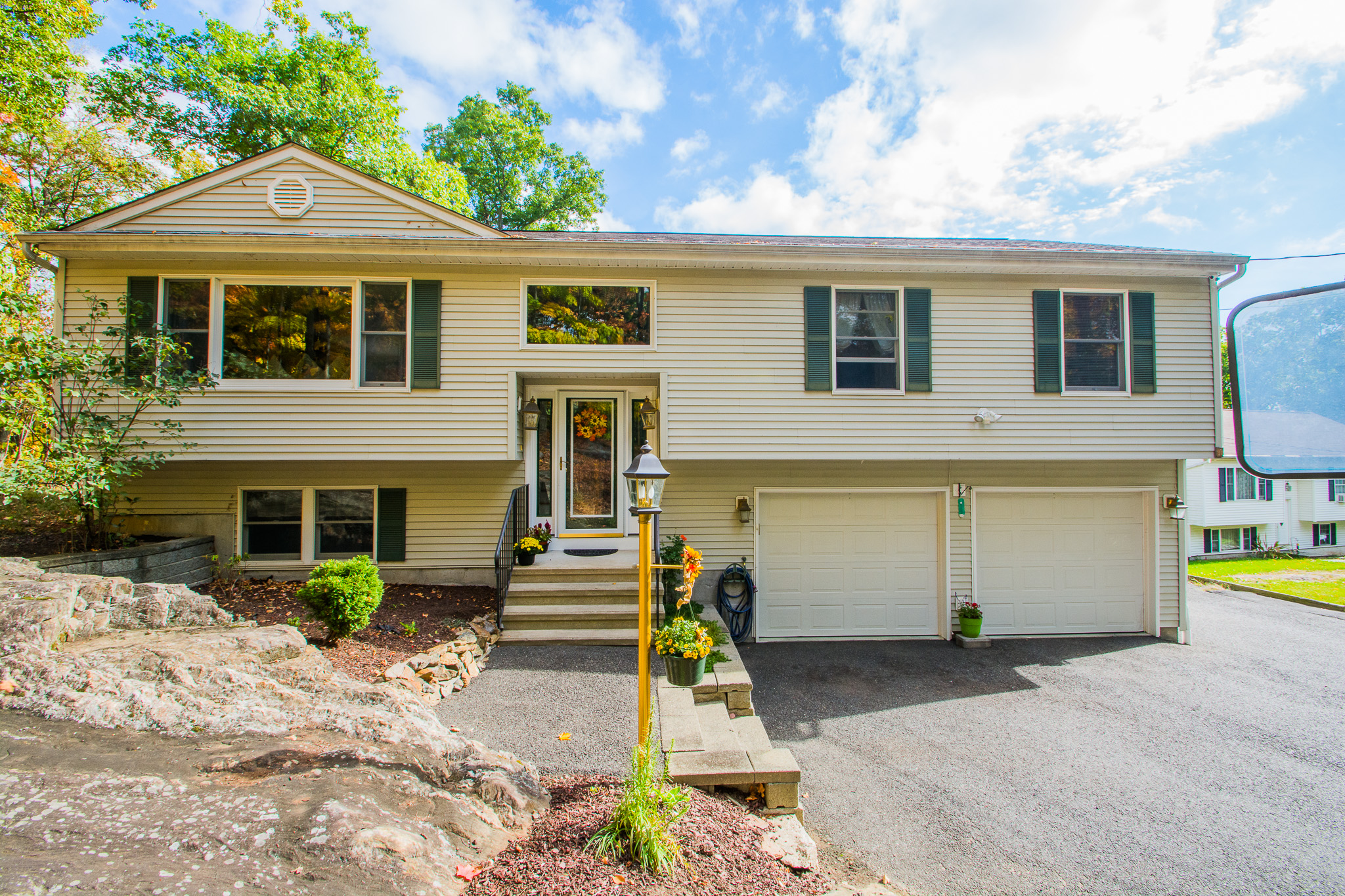 Single Family Home for Sale at Bright Open Floor Plan 41 Linda Lane New Fairfield, Connecticut, 06812 United States