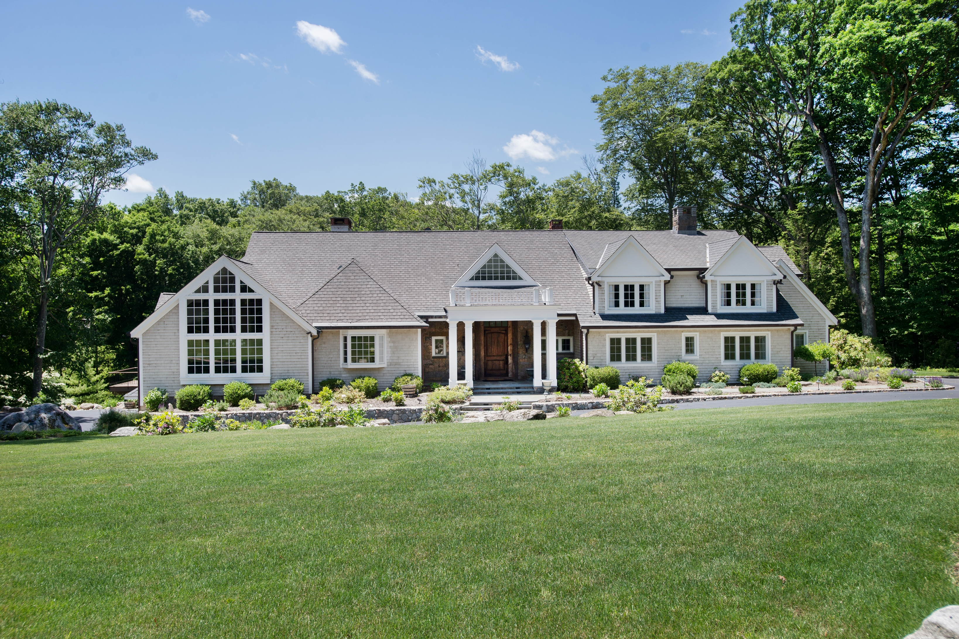 Single Family Home for Sale at 364 Laurel Road New Canaan, Connecticut, 06840 United States
