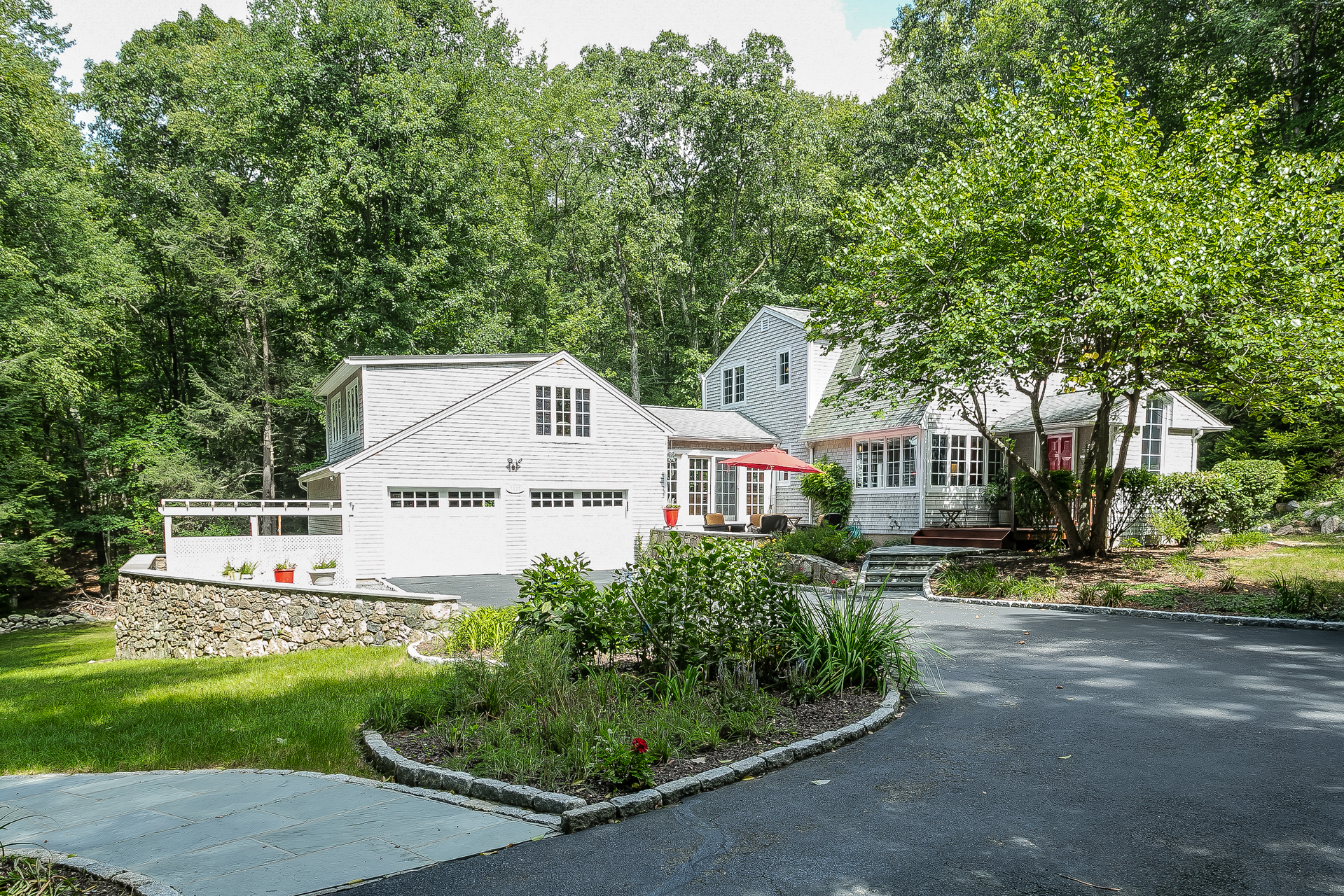 Single Family Home for Sale at Welcoming Country Retreat 1111 Rock Rimmon Road Stamford, Connecticut, 06903 United States