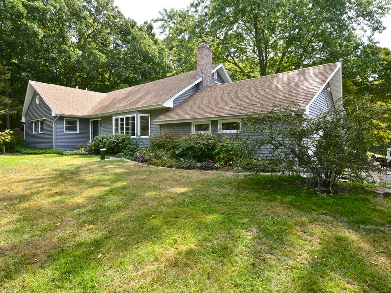 Single Family Home for Sale at Spacious Cape 80 Reutemann Road North Stonington, Connecticut 06359 United States