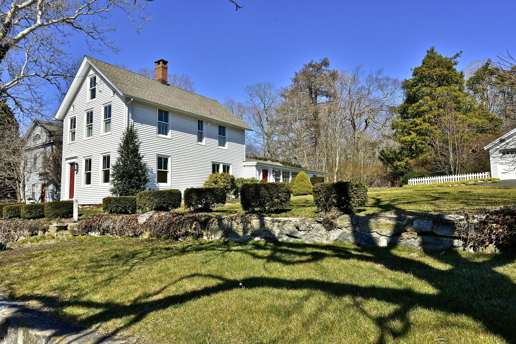 独户住宅 为 销售 在 Gracious Essex Village Colonial 38 Prospect St 埃塞克斯, 康涅狄格州, 06426 美国