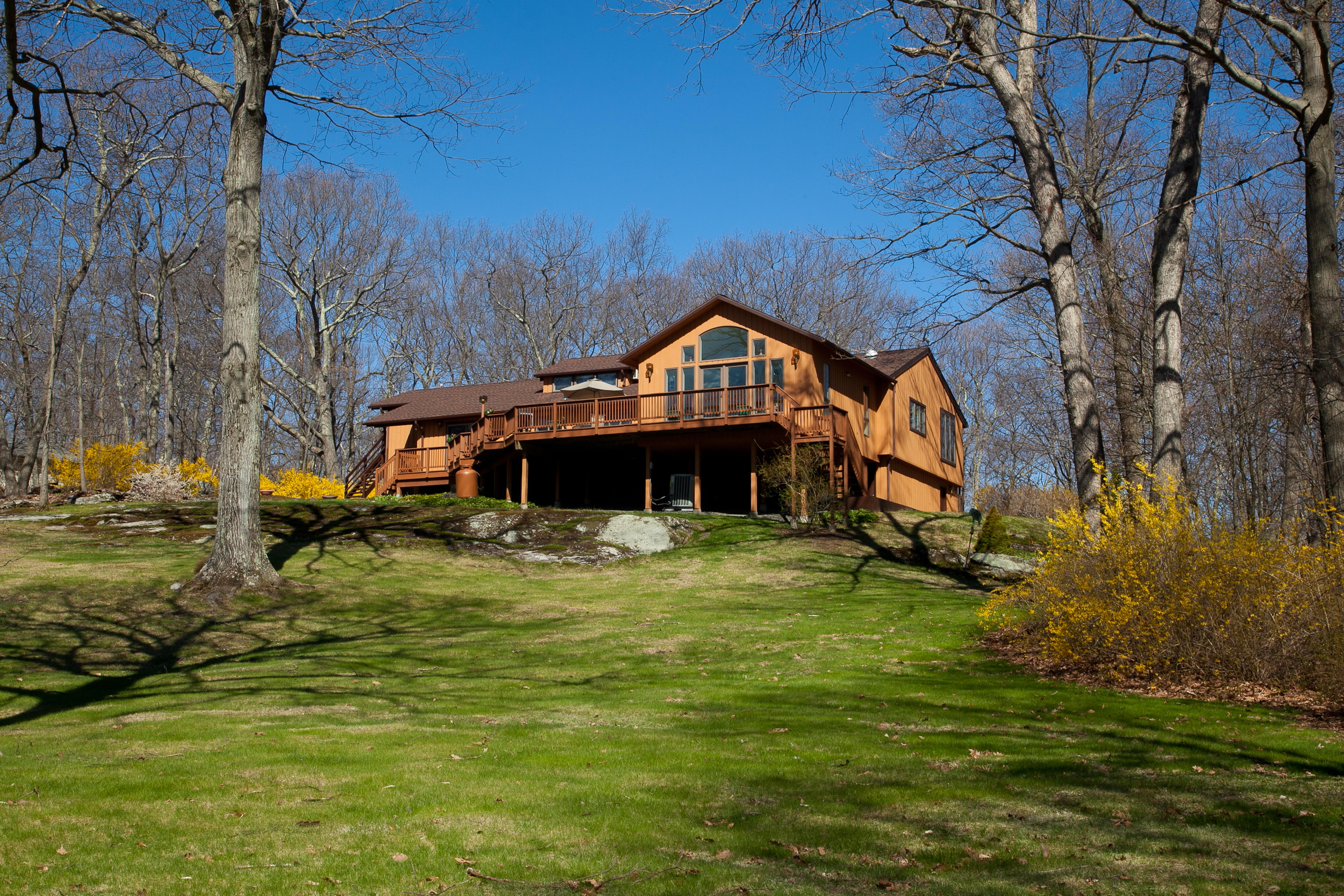 Частный односемейный дом для того Продажа на Big Trail Contemporary 3 Big Trail Ext Sherman, Коннектикут 06784 Соединенные Штаты