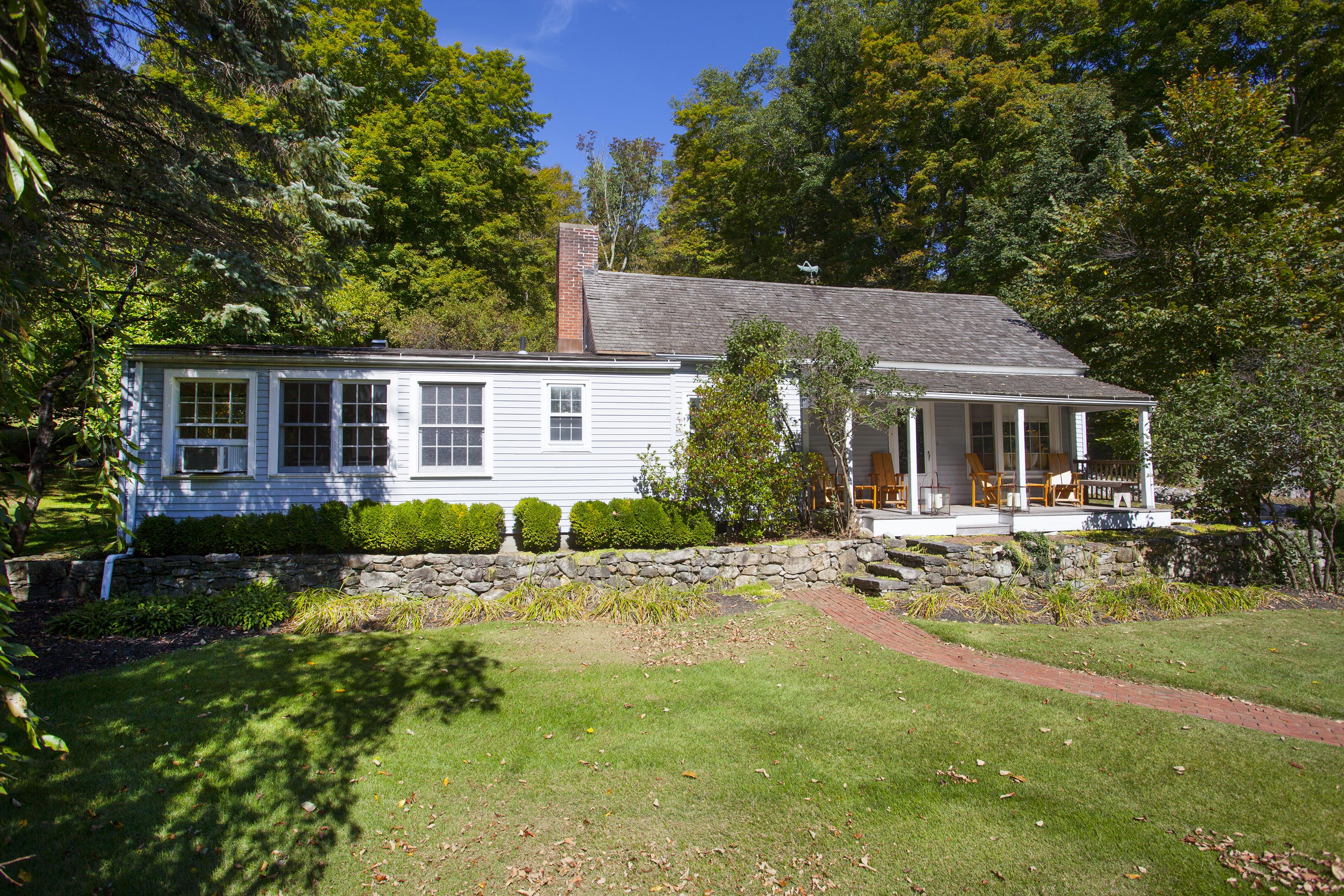 Maison unifamiliale pour l Vente à 1870 Schoolhouse Reborn 9 Macedonia Brook Kent, Connecticut 06757 États-Unis