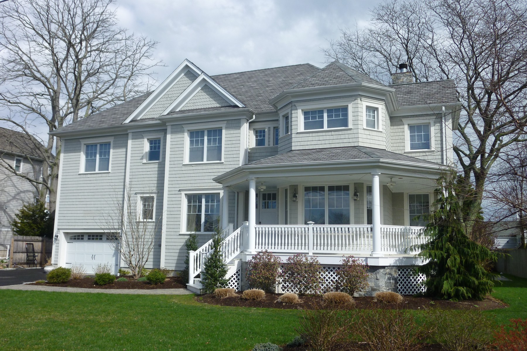 Single Family Home for Sale at Beach 117 Carlynn Drive Fairfield, Connecticut, 06824 United States