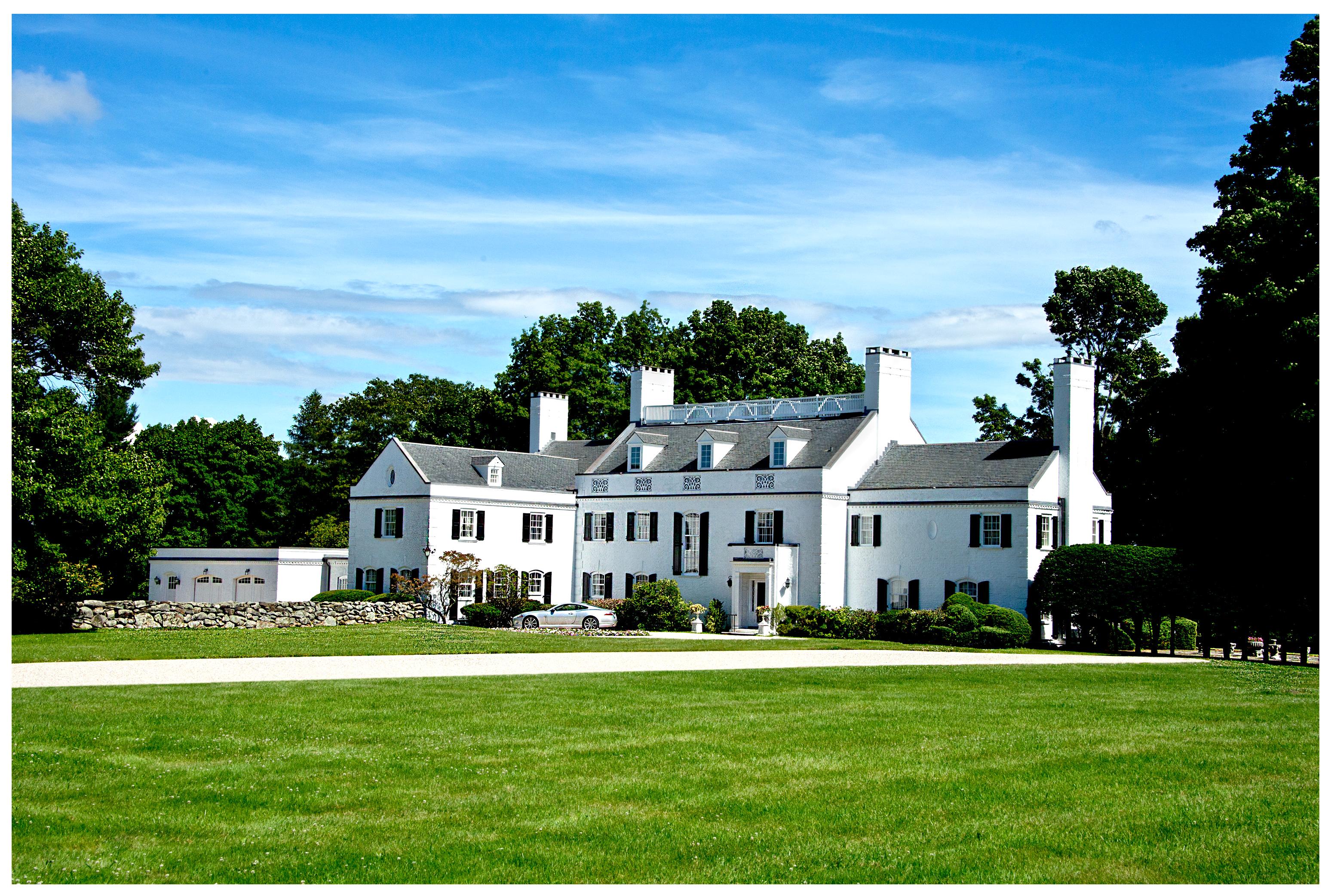 Maison unifamiliale pour l Vente à Overlea Manor 1135 Northfield Watertown, Connecticut 06795 États-Unis