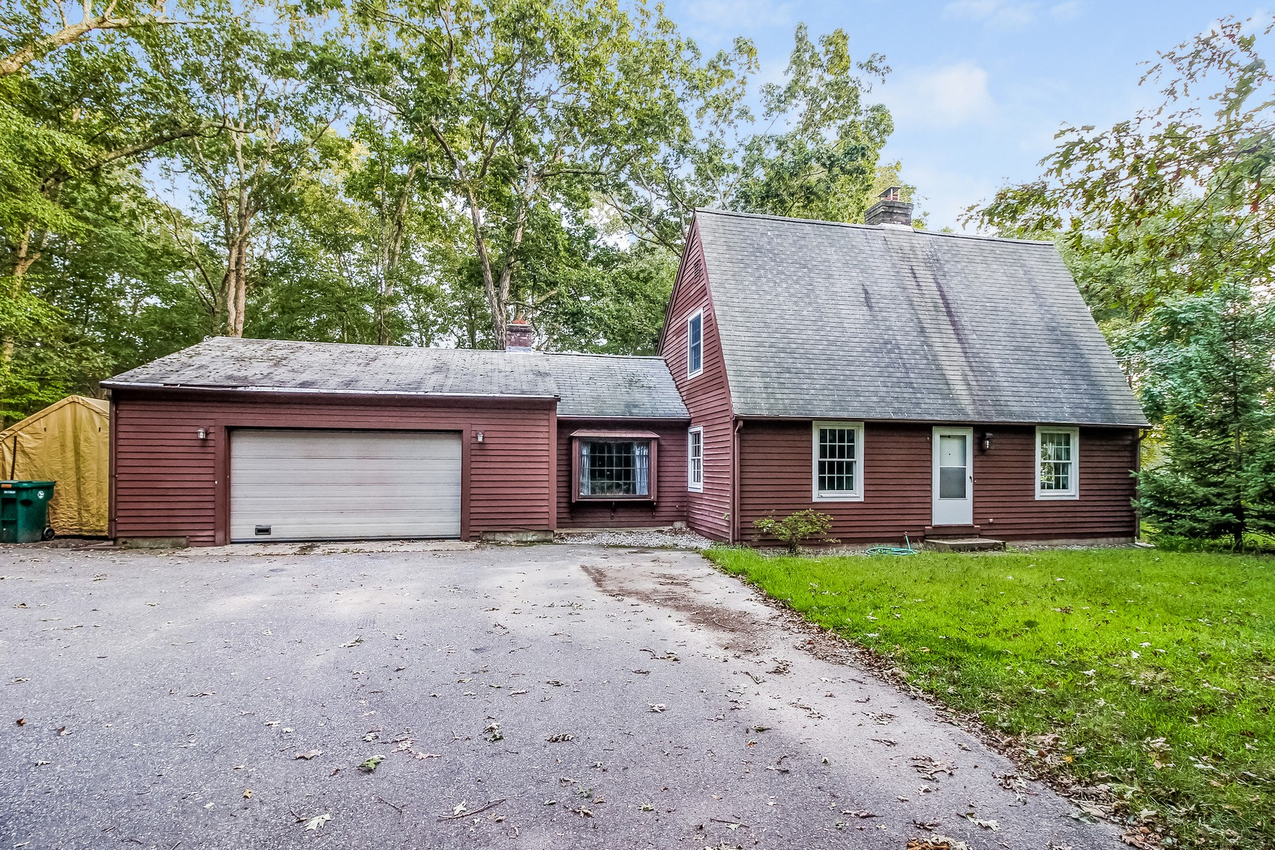 Single Family Home for Sale at Close To Beach 23 Rowland Rd Old Lyme, Connecticut, 06371 United States