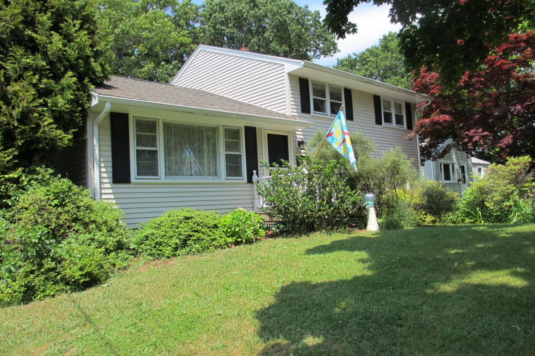 Vivienda unifamiliar por un Venta en 5 Odonnell Ct East Haven, Connecticut 06512 Estados Unidos