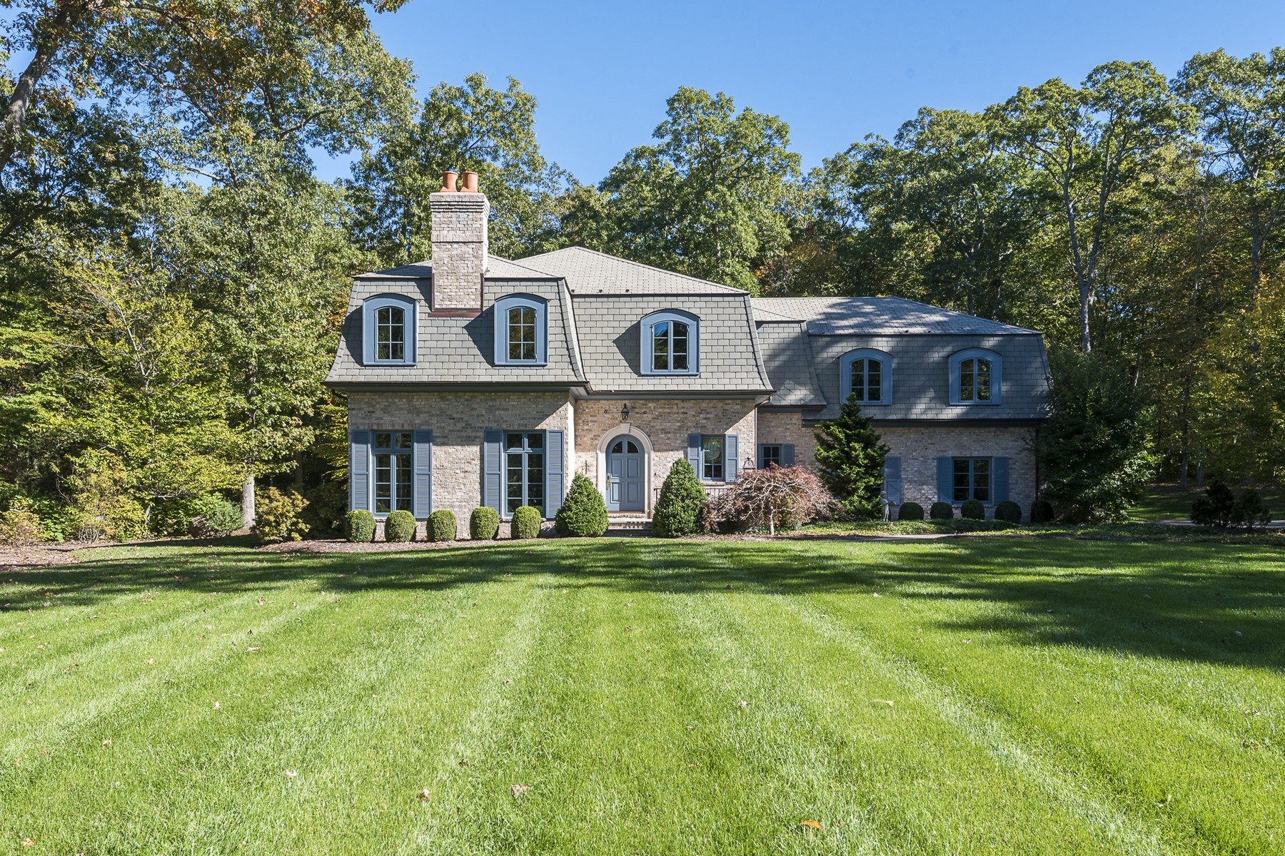 Casa Unifamiliar por un Venta en Brick & Slate French Tudor on Private Cul-de-Sac 36 Watrous Point Rd Old Saybrook, Connecticut, 06475 Estados Unidos