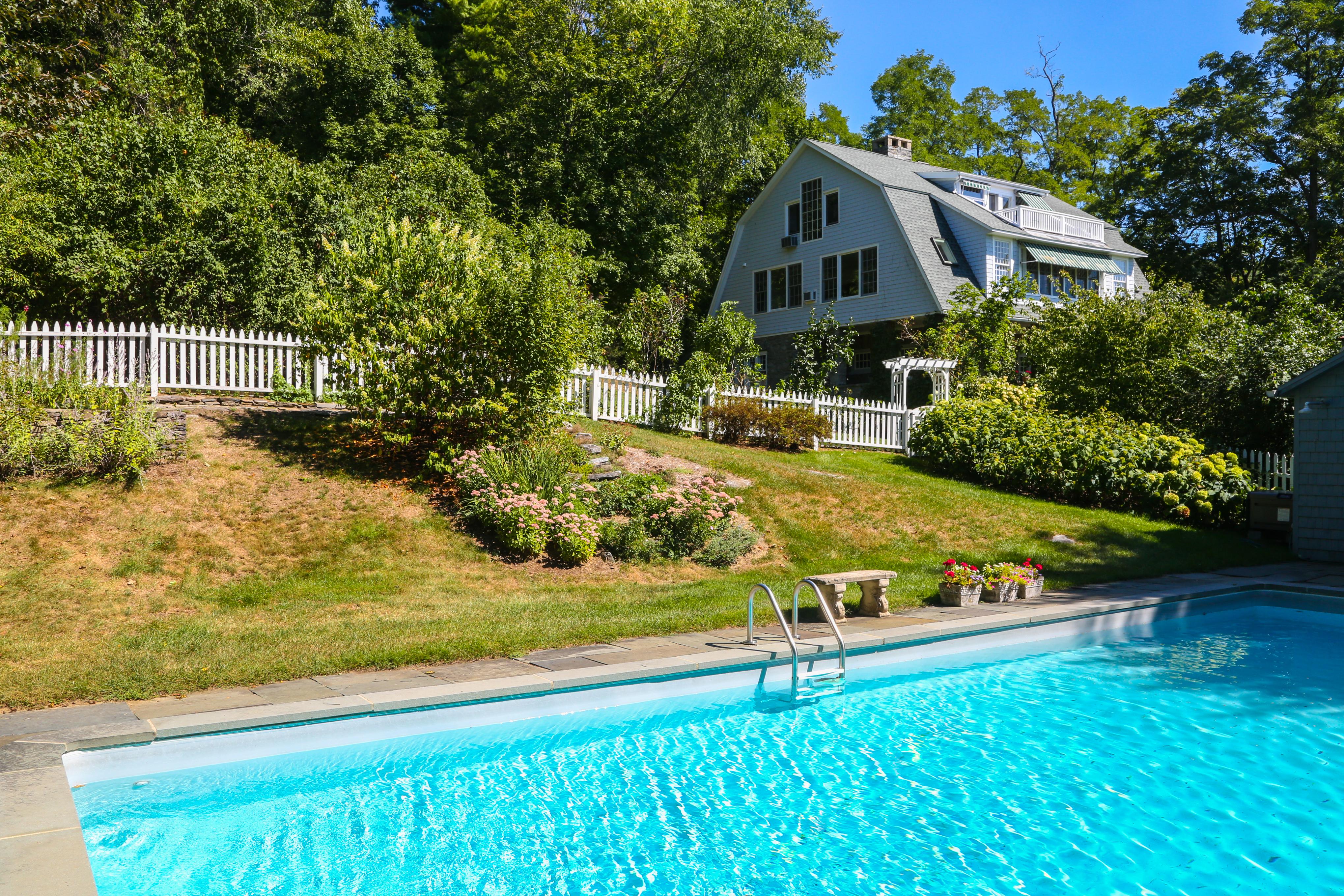 独户住宅 为 销售 在 Twin Lakes Treasure 285 Twin Lakes Rd 索尔茨伯里市, 康涅狄格州, 06068 美国