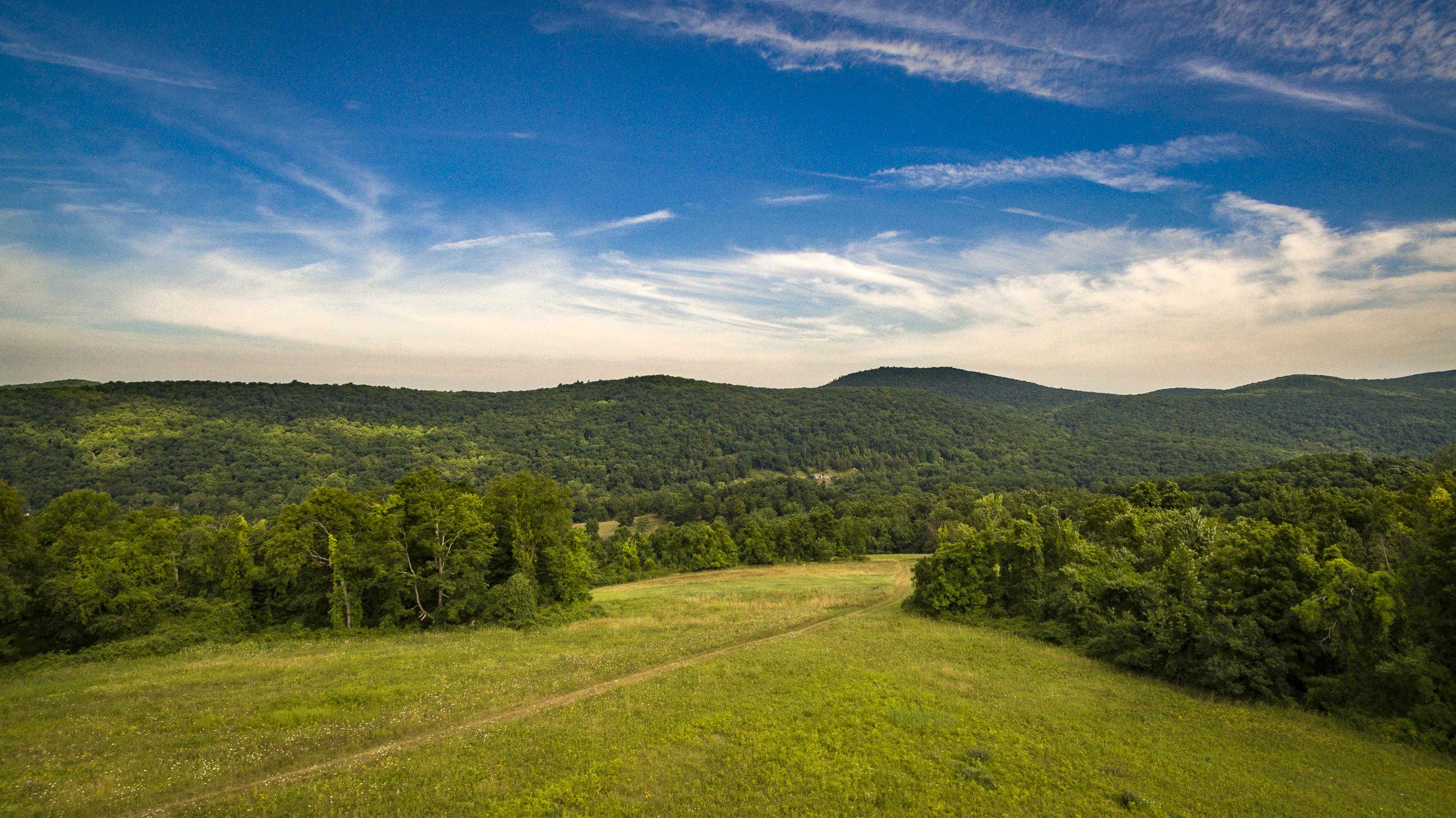 土地 为 销售 在 Up the Hill 00 North Main St 肯特, 康涅狄格州, 06757 美国