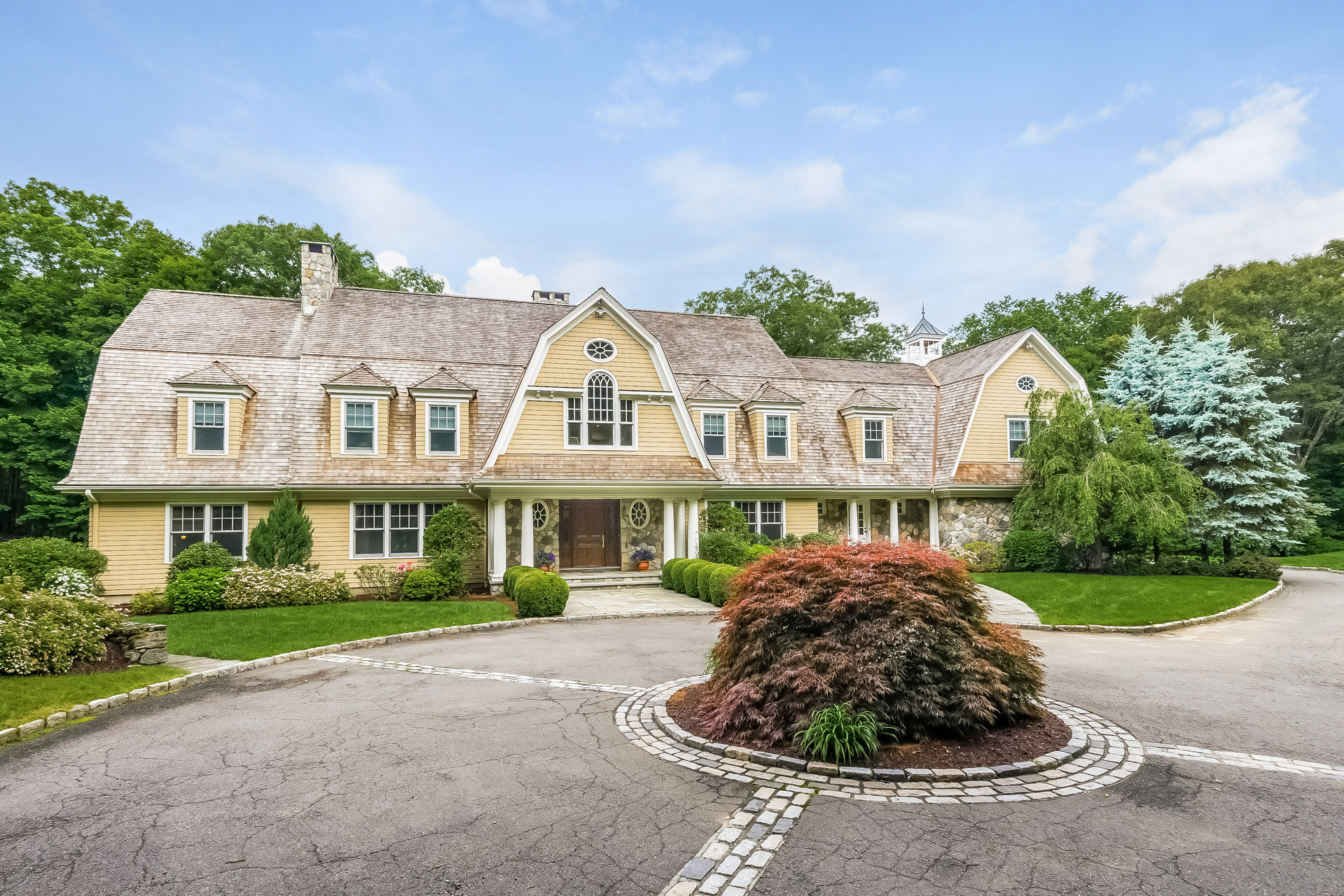 Single Family Home for Sale at Timeless Beauty 299 Ridgefield Road Wilton, Connecticut 06897 United States