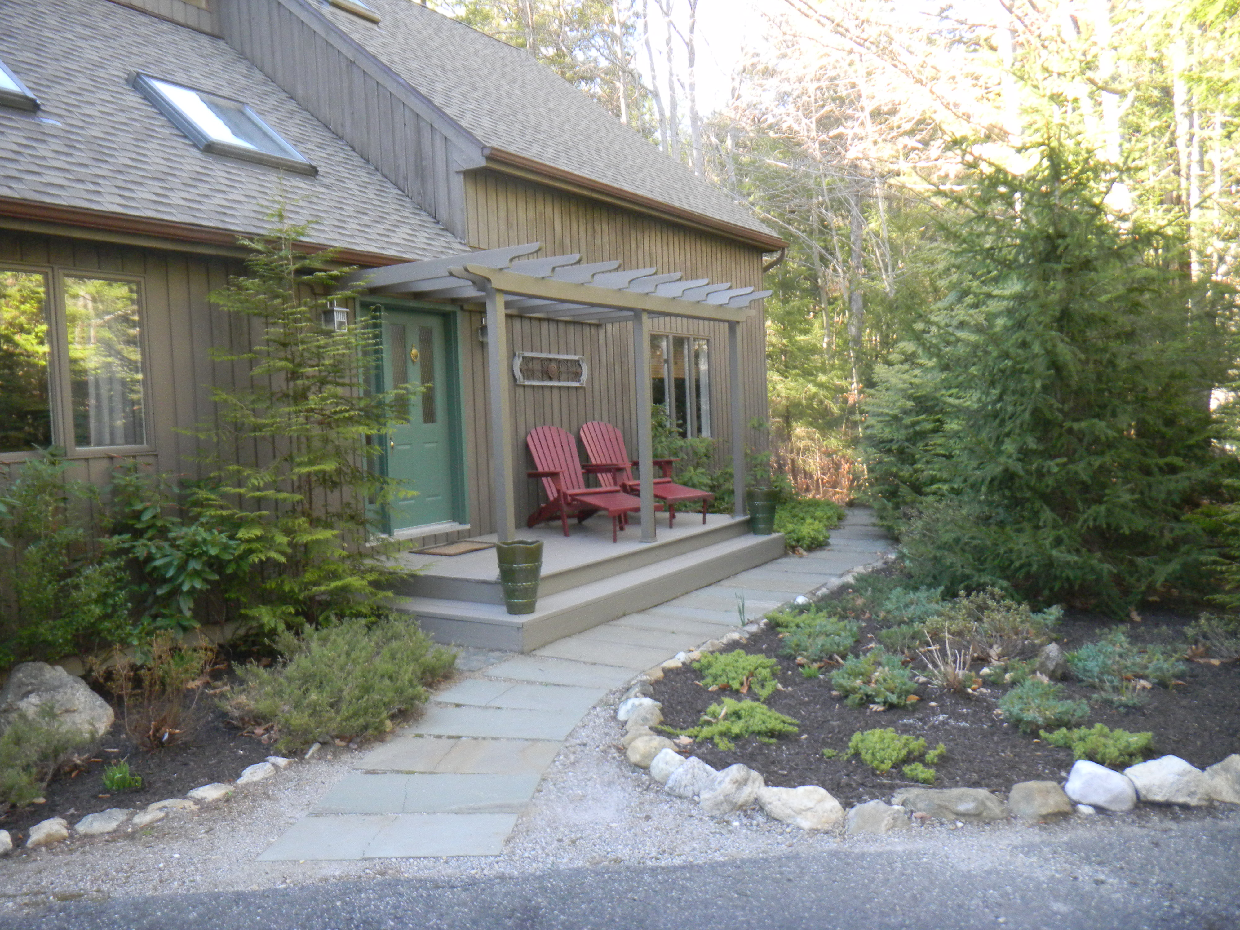 Additional photo for property listing at Charming Country Home with Open Floor Plan 64 Paxton Ct Goshen, Connecticut 06756 United States