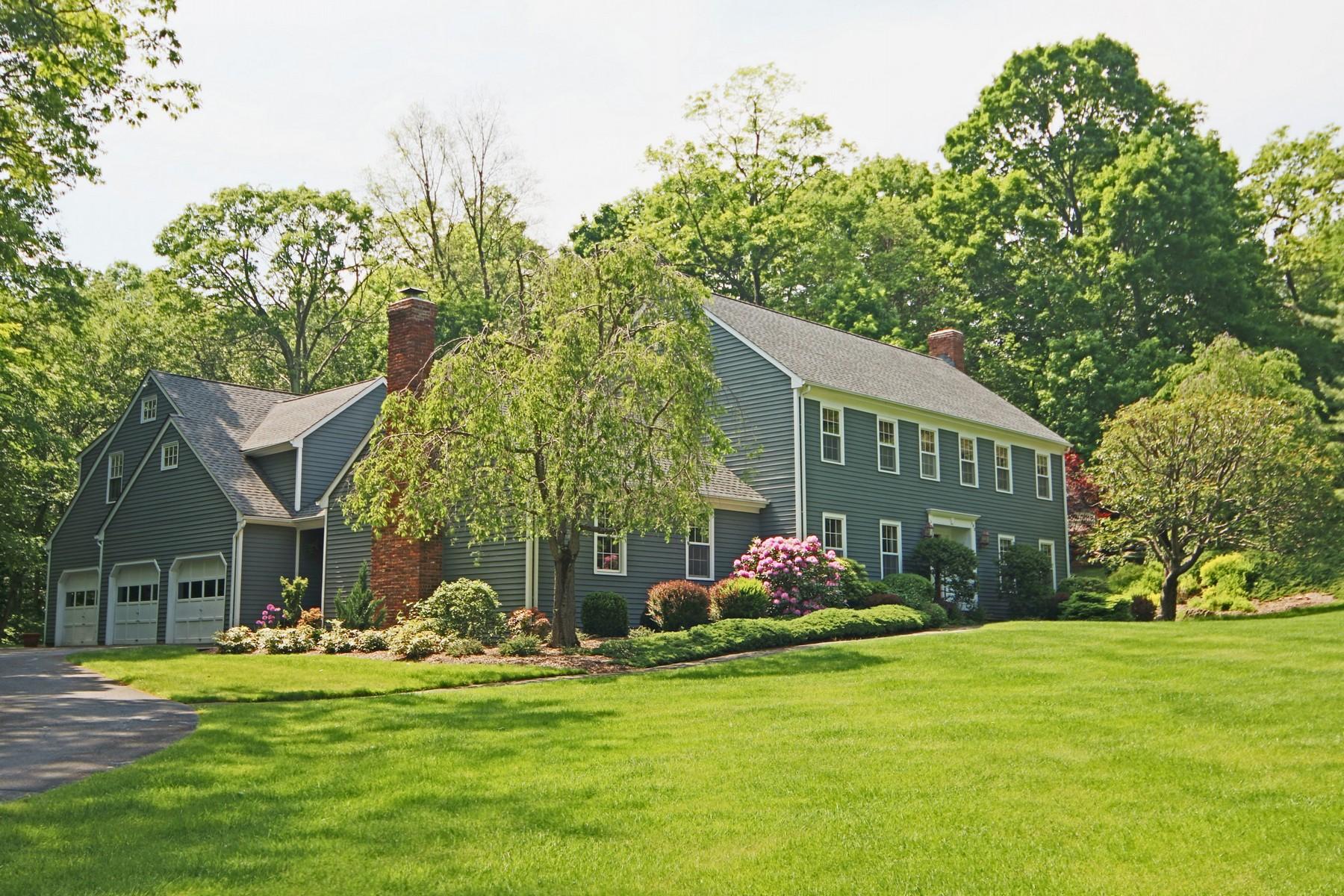 Einfamilienhaus für Verkauf beim Impressive Colonial 102 Armand Road Ridgefield, Connecticut, 06877 Vereinigte Staaten