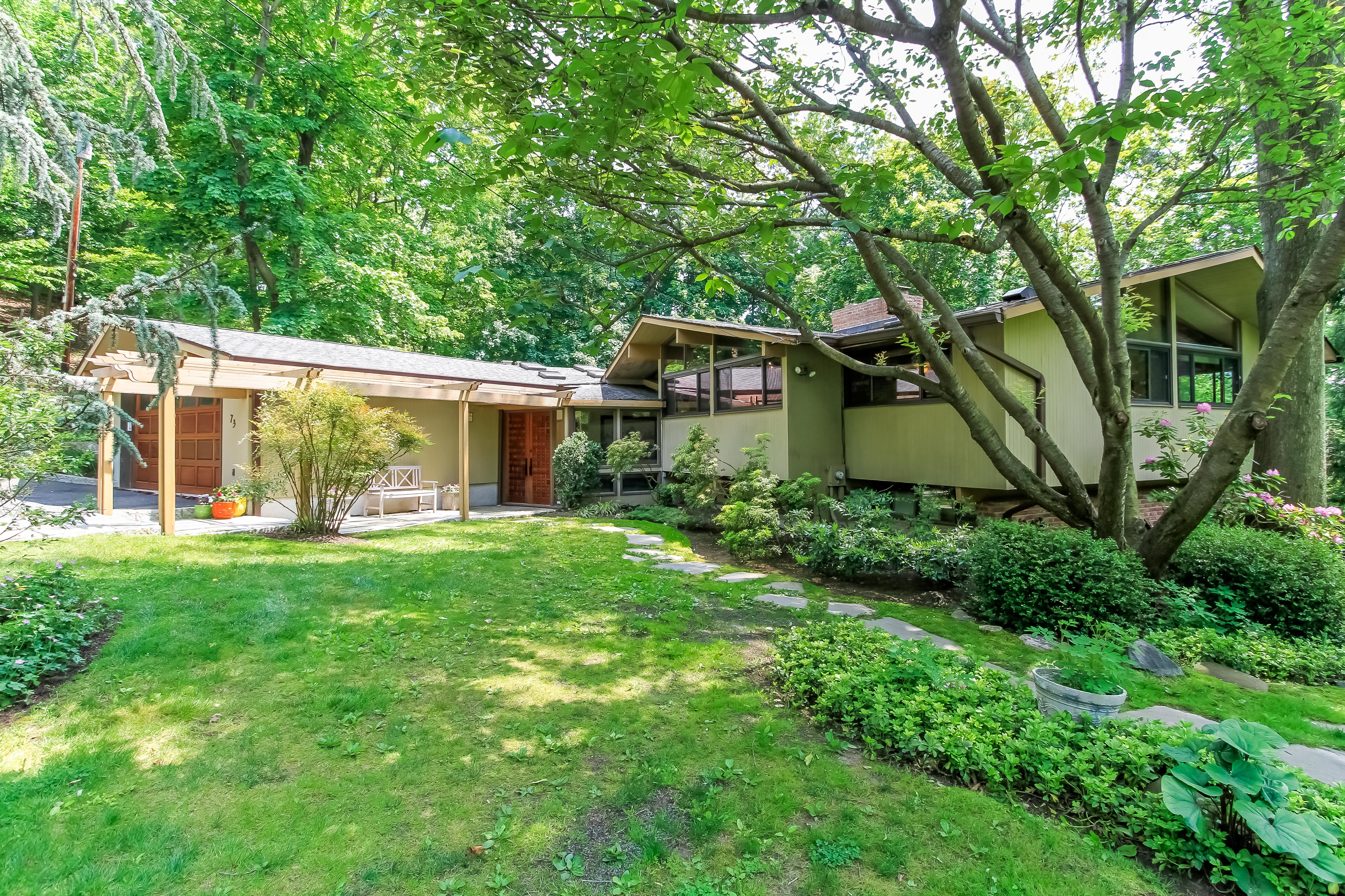 sales property at 73 Havemeyer Road